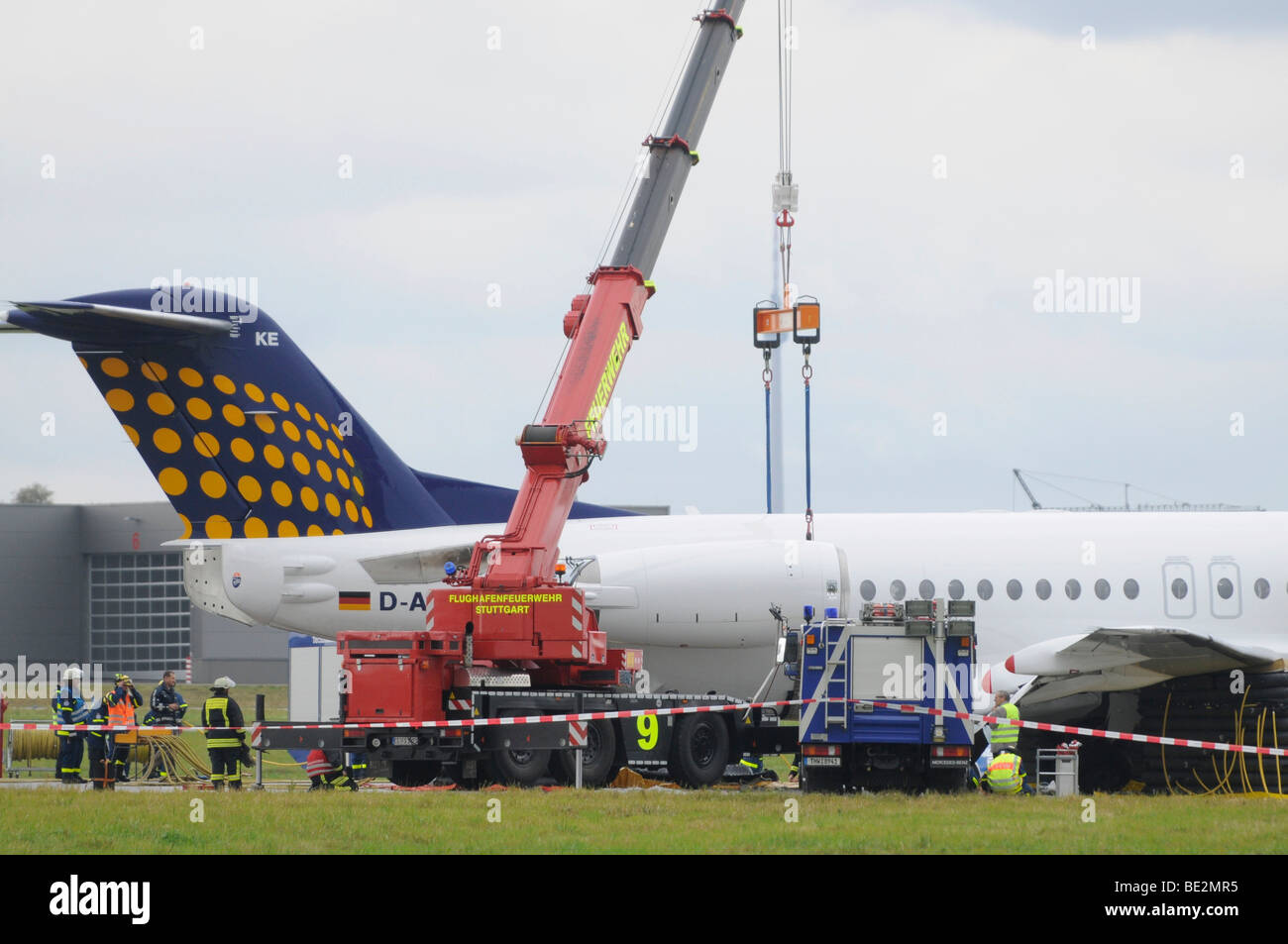 Emergency landing of a CONTACT air machine at Stuttgart airport, landing gear failure, SPD leader Franz Muentefering, - Stock Image
