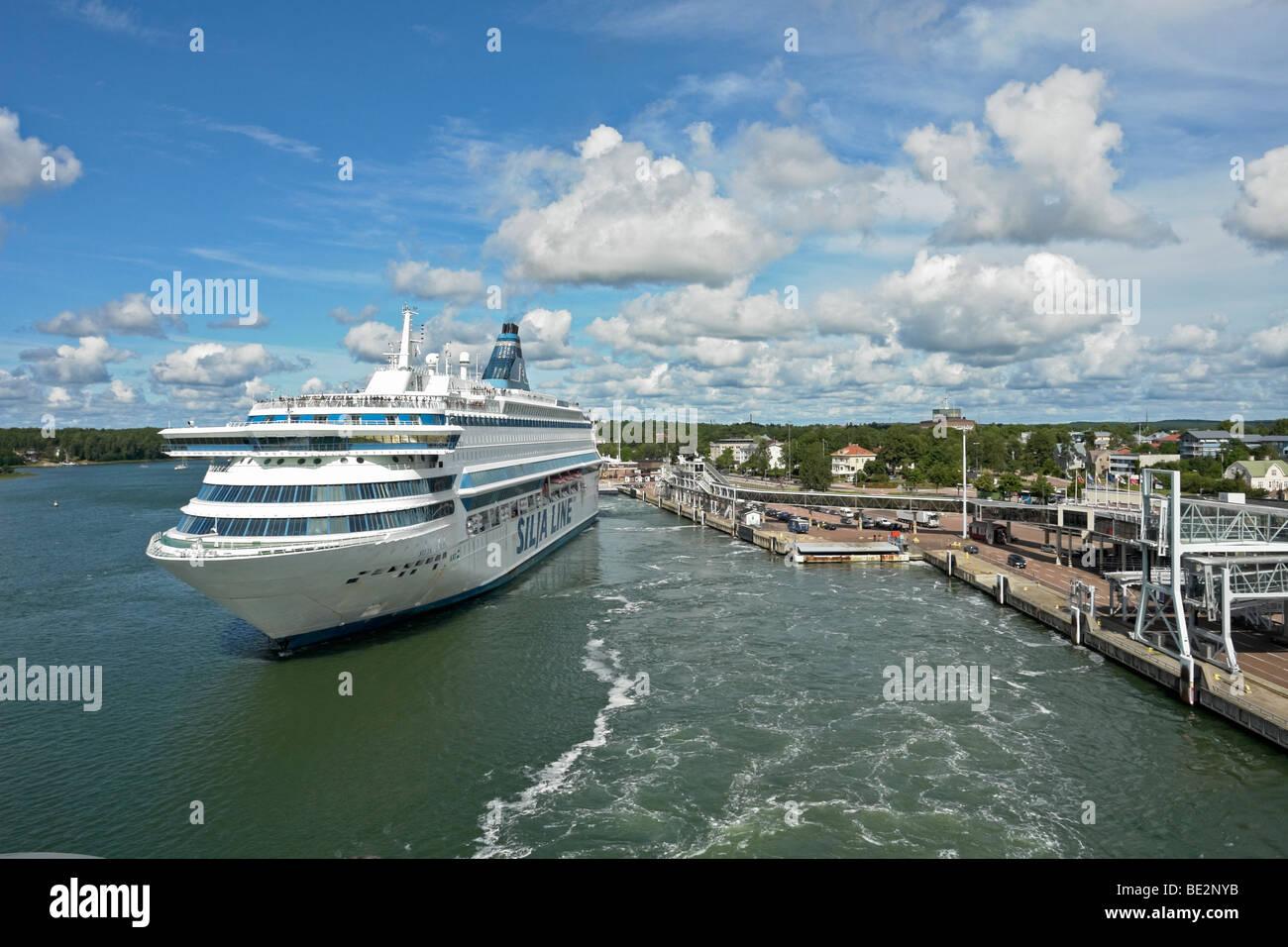 Silja Line ferry Silja Europa departs Mariehamn in the Aaland Islands en route from Stockholm to Turku - Stock Image