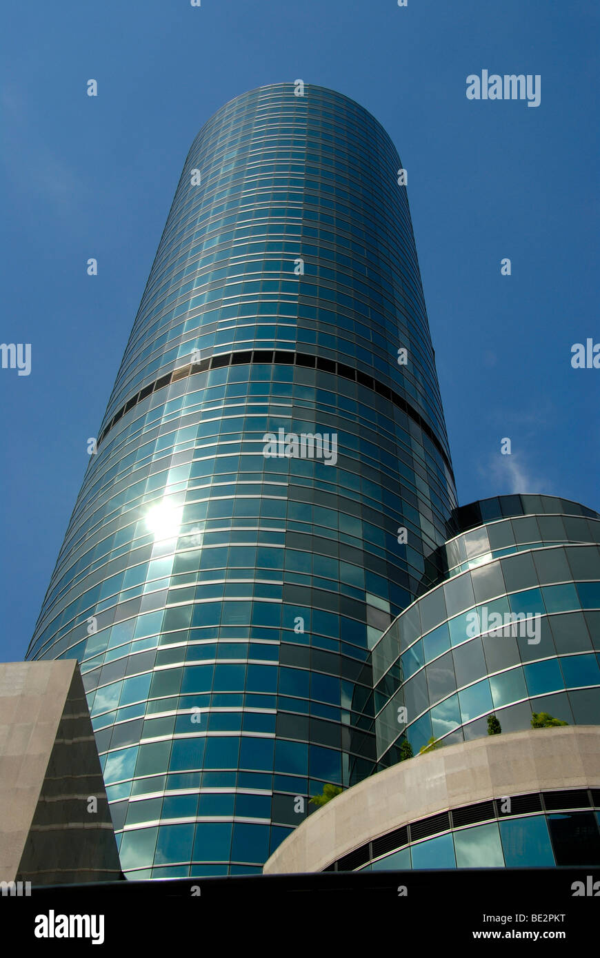 Modern city, round building with lots of glass towering into the sky, Hotel Intercontinental, Chit Lom, Sukhumvit, - Stock Image