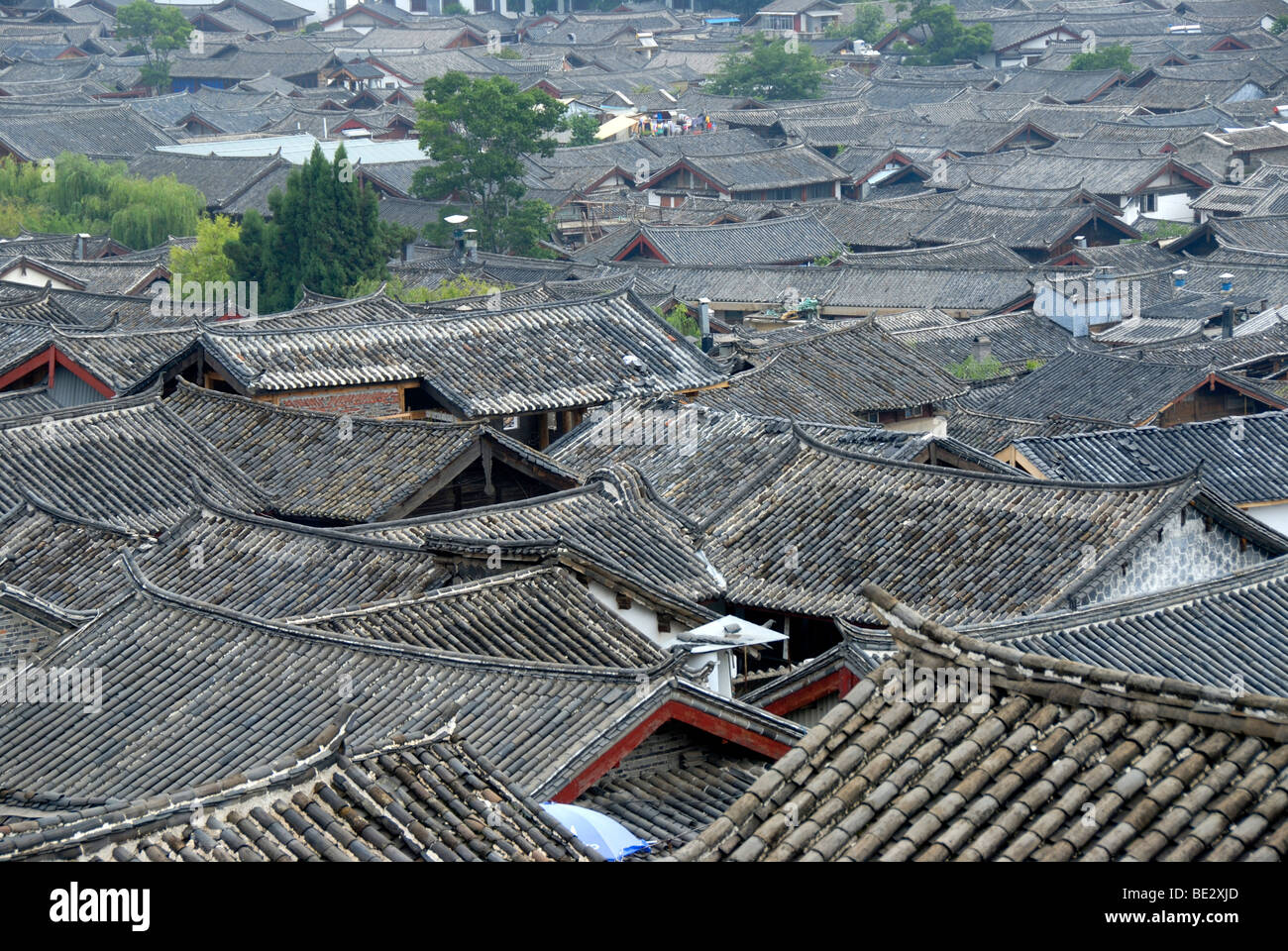 Tiled roofs, historic town of Lijiang, UNESCO World Heritage Site, Yunnan Province, People's Republic of China, Stock Photo