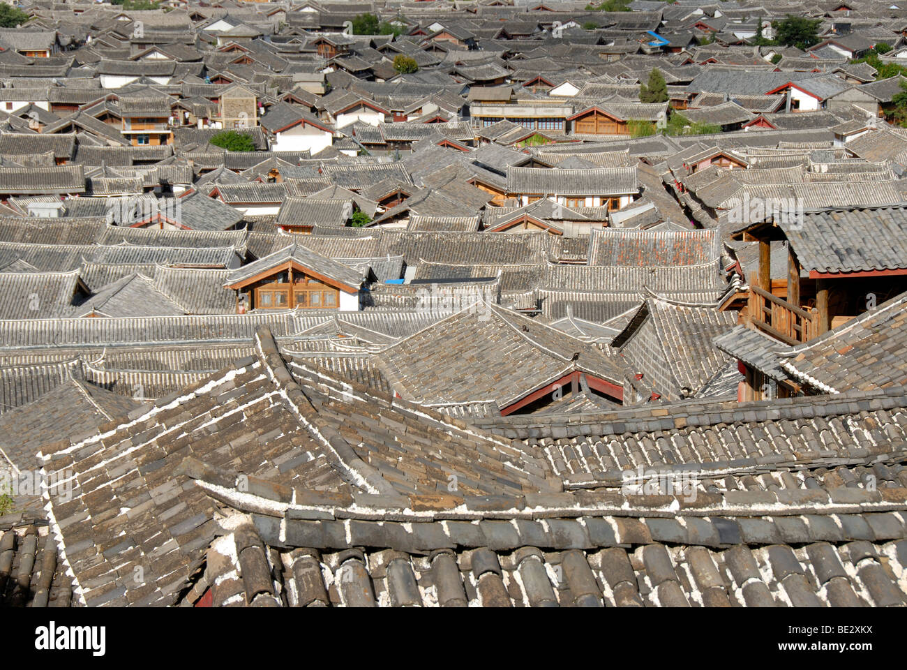 Tiled roofs, old town of Lijiang, UNESCO World Heritage Site, Yunnan Province, People's Republic of China, Asia - Stock Image