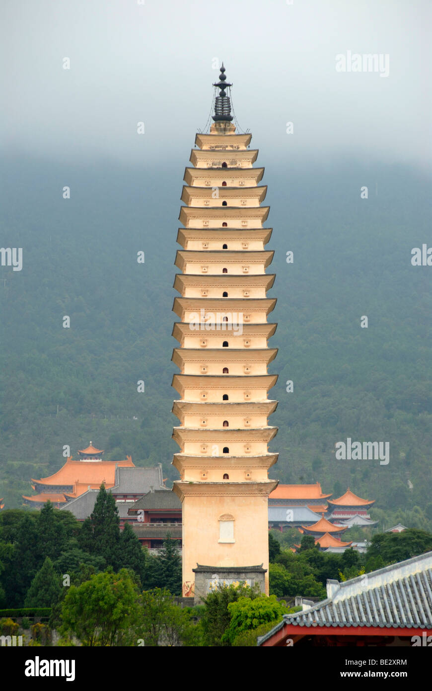 Ancient Buddhist tower, Three Pagodas, Dali, Yunnan Province, People's Republic of China, Asia - Stock Image