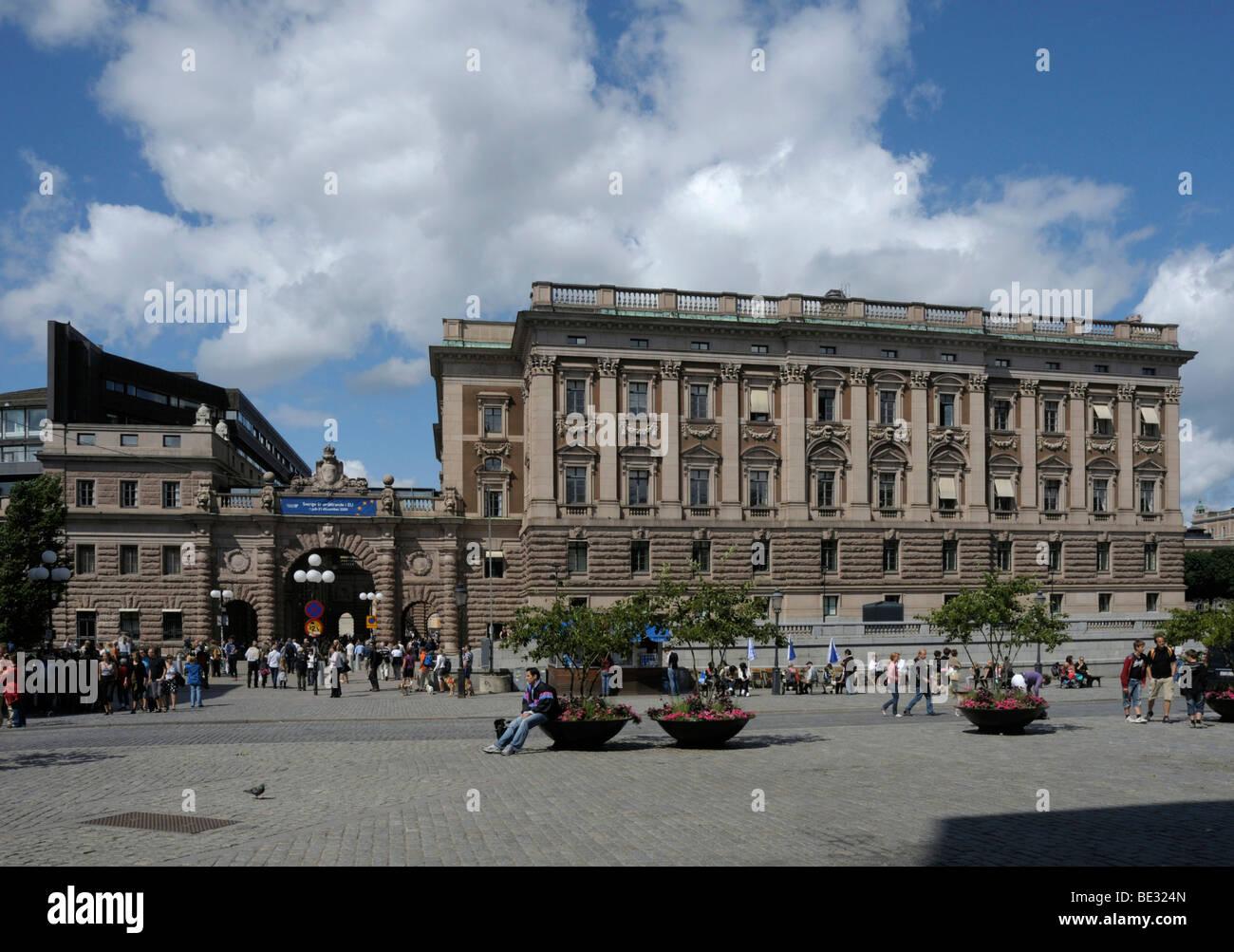 Gender Equality in Riksdag – MACAROONS