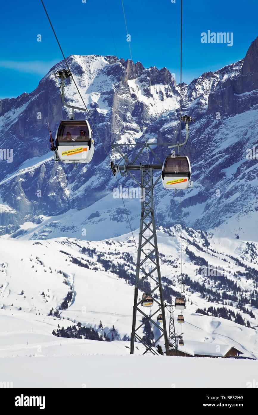 Gondola ski lift, Wetterhorn mountain (3692m), Grindelwald, Jungfrau region, Bernese Oberland, Swiss Alps, Switzerland - Stock Image
