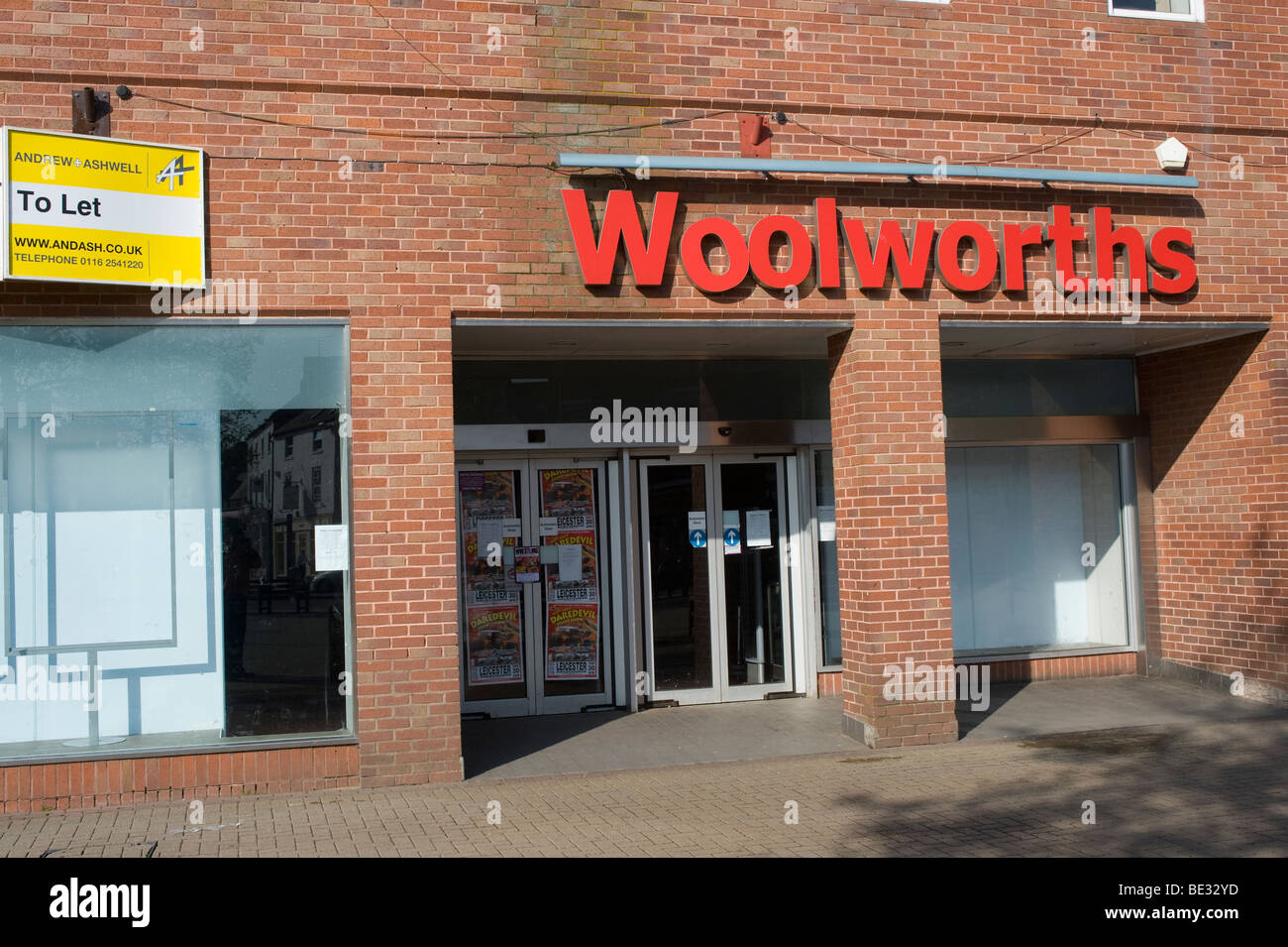 The sad sight of an empty Woolworths store following the closure of the retail chain at the end of 2008. - Stock Image