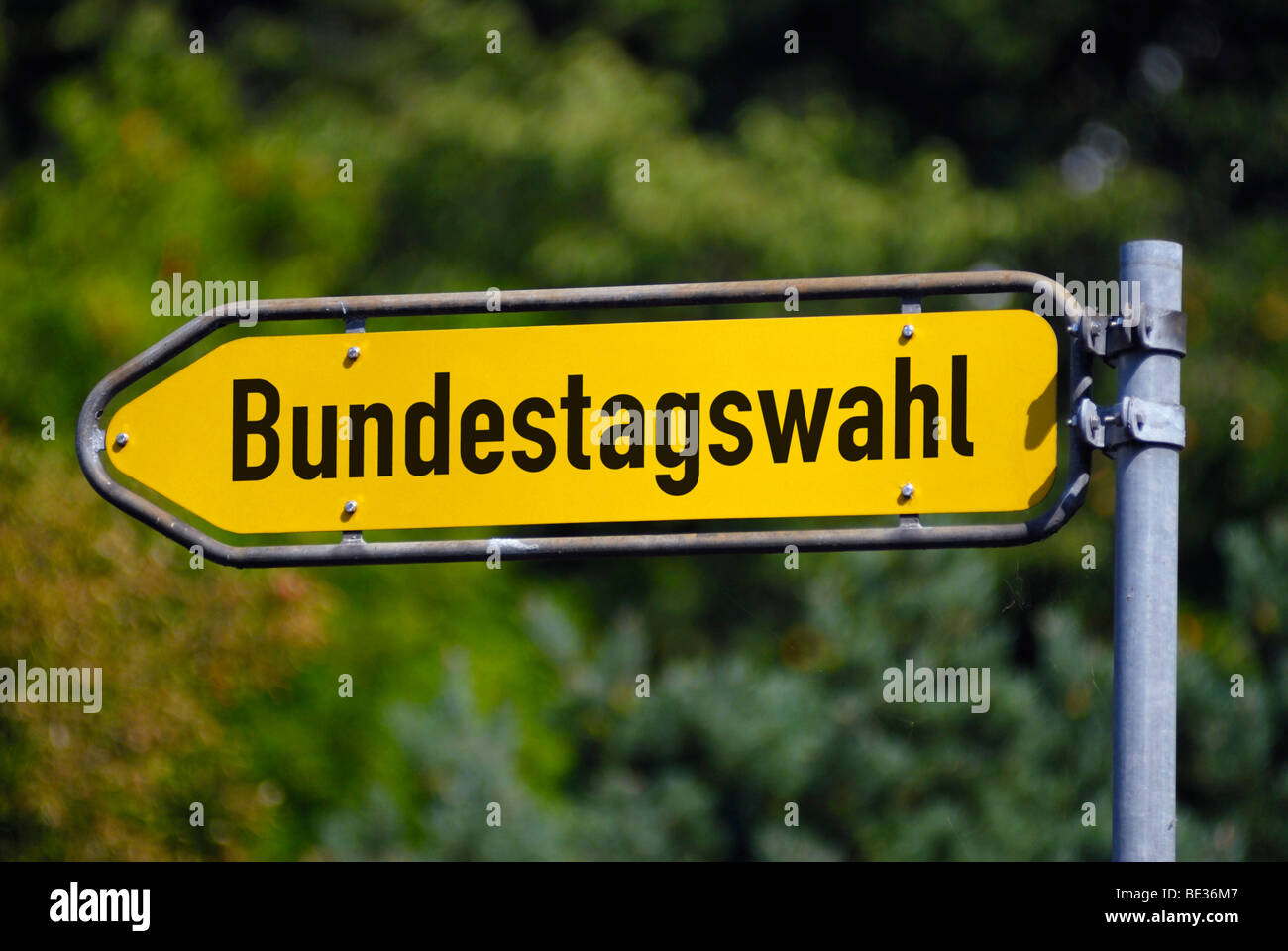 Sign post Bundestagswahl, elections to the Bundestag parliament, photo montage - Stock Image