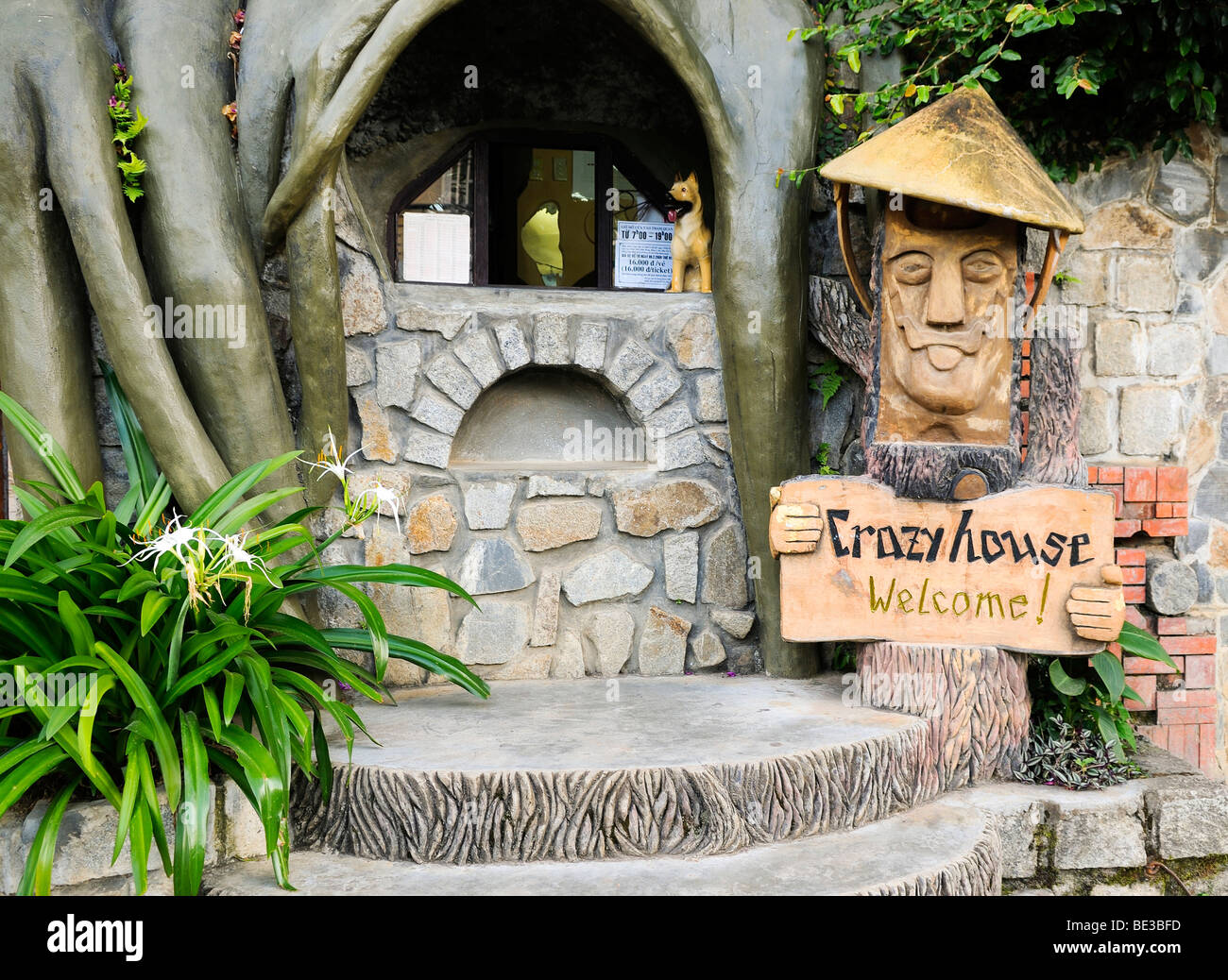 Laughing mushroom head figure with sign and pay desk at the Crazy House  Hotel, Hang 27975e72ef