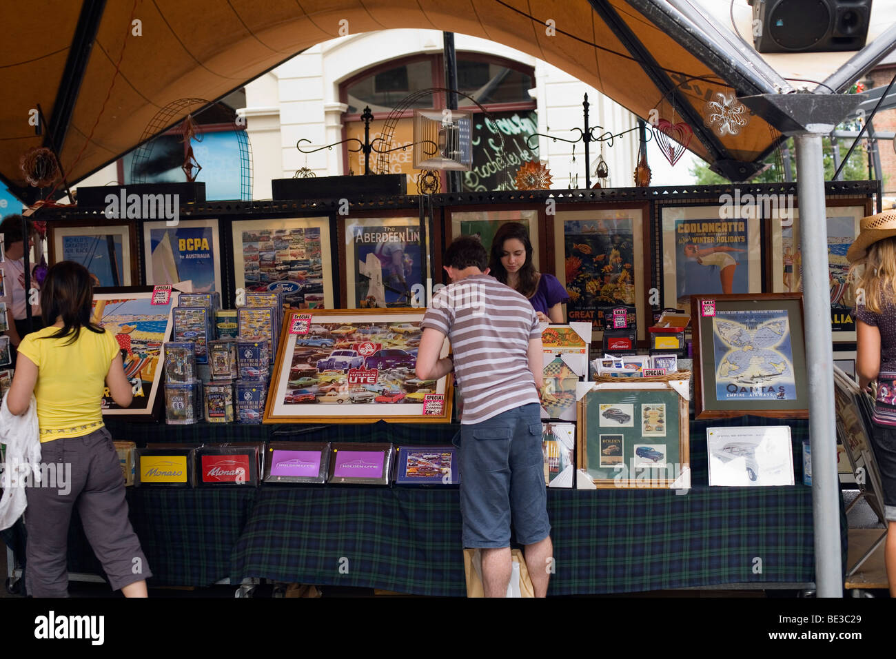 Shoppers browse the stalls at the Rocks Market. Sydney, New South Wales, AUSTRALIA - Stock Image