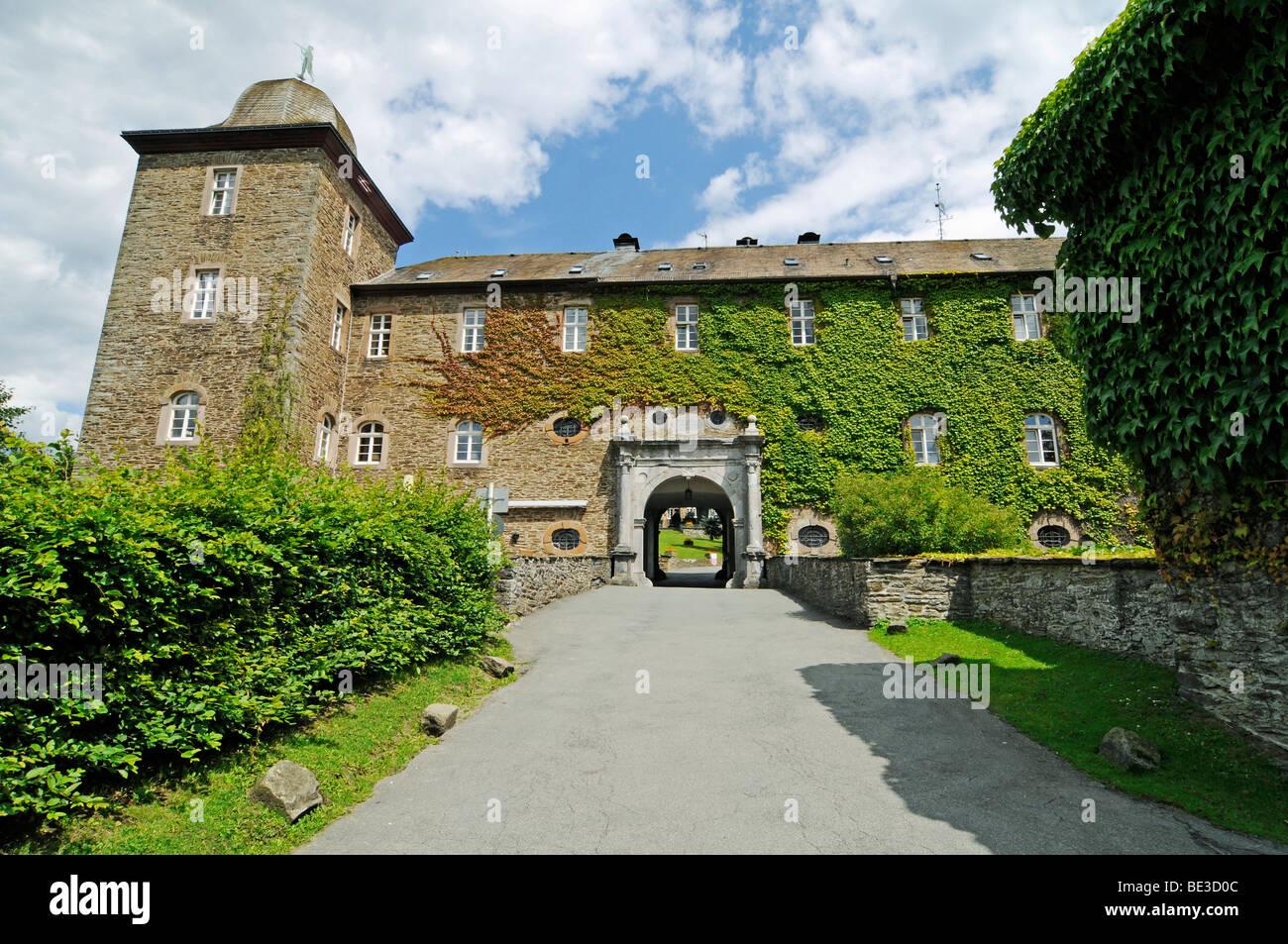 Entrance and drive, Burg Schnellenberg castle, Attendorn, Sauerland district, North Rhine-Westphalia, Germany, Europe Stock Photo