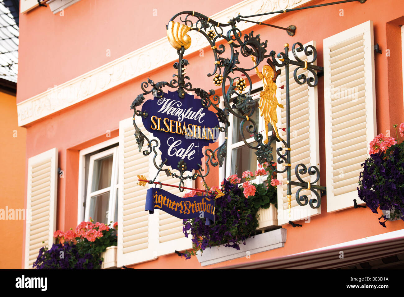 Inn sign in the historic centre of Bernkastel-Kues, on Moselle River, Rhineland-Palatinate, Germany, Europe - Stock Image
