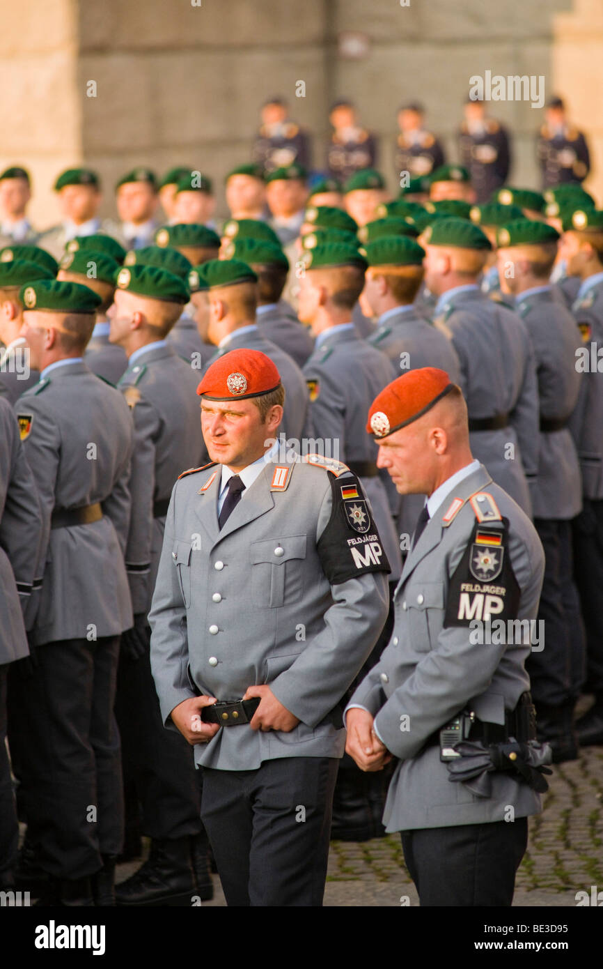Recruits of the guard battalion of the Bundeswehr, German army, taking their ceremonial oath in front of the Reichstag - Stock Image