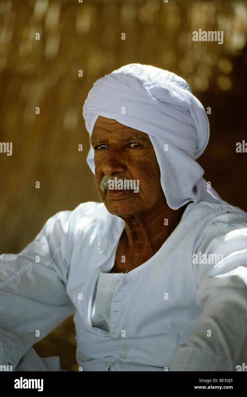 Bedouin in traditional dress, Egyptian, garment, portrait, Dschjellahba, Jelleba, beard, pride, linen, Arabian, Stock Photo