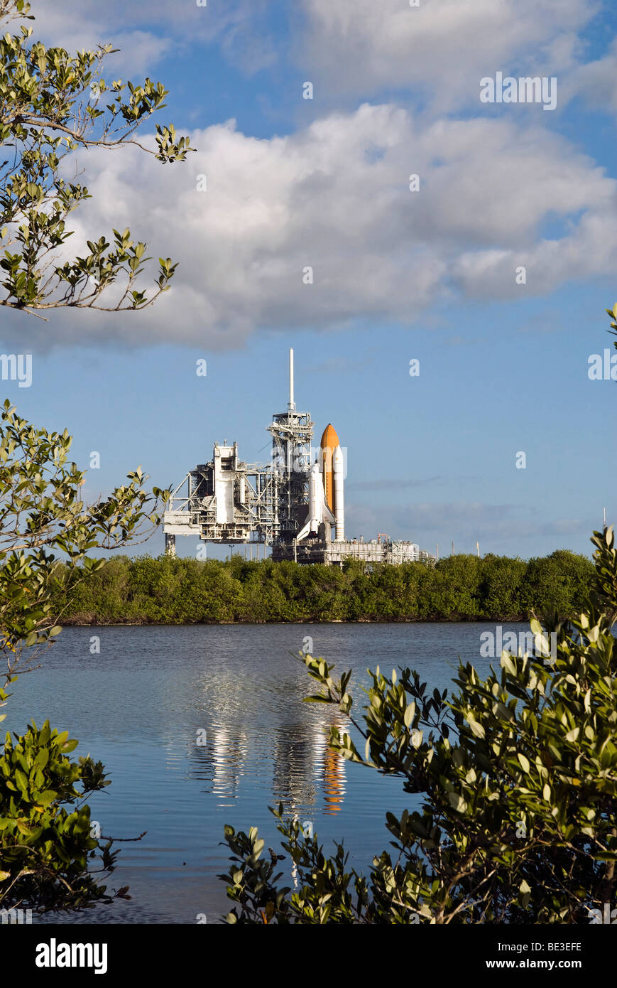 Space Shuttle Atlantis sits ready on the launch pad. - Stock Image