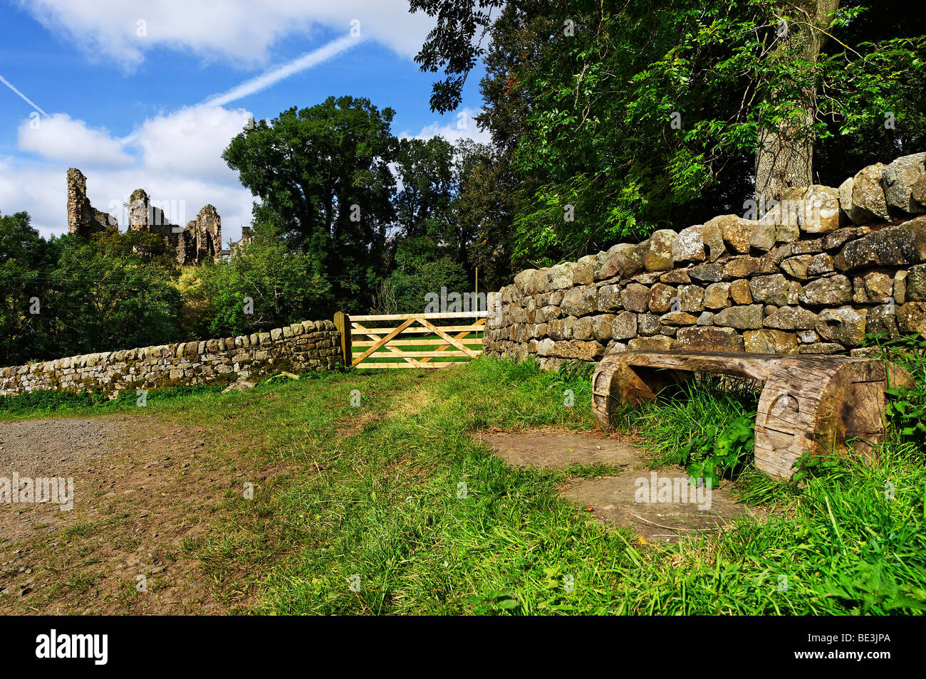 Hadrian's Wall long distance footpath in the vicinity of Thirlwall Castle at Greenhead in Cumbria - Stock Image