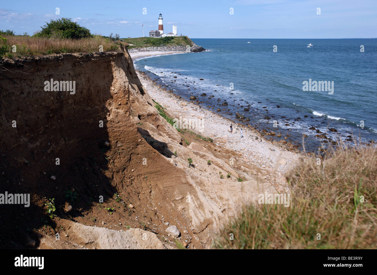 Ocean bluffs, Montauk lighthouse, Long Island, New York - Stock Image