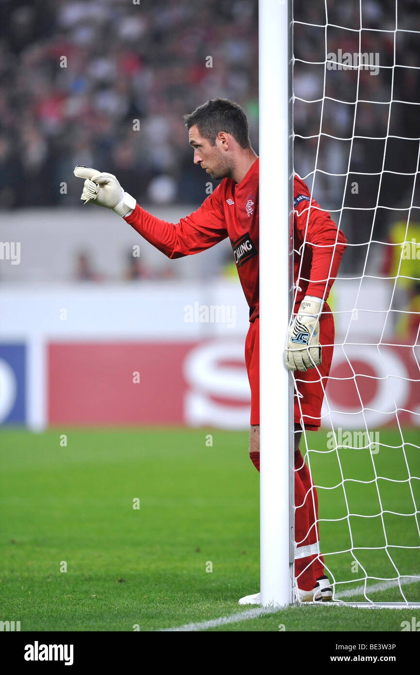 Goalkeeper Allan McGregor, Rangers, directing the defense - Stock Image