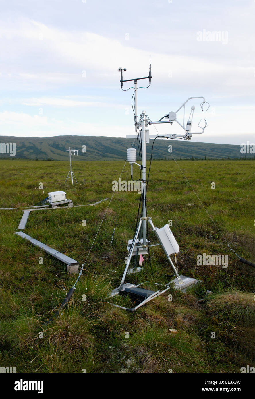 Climate change research - an eddy covariance system measures CO2 exchange between melting Alaskan permafrost and - Stock Image