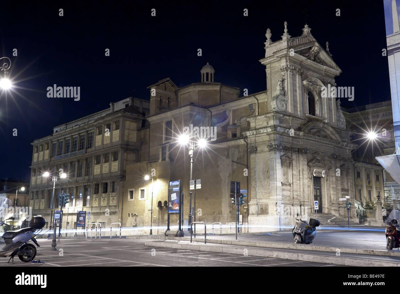 Rome, Italy. Church Santa Maria della Vittoria (right) and Palazzo dell'Ufficio Geologico (left). - Stock Image