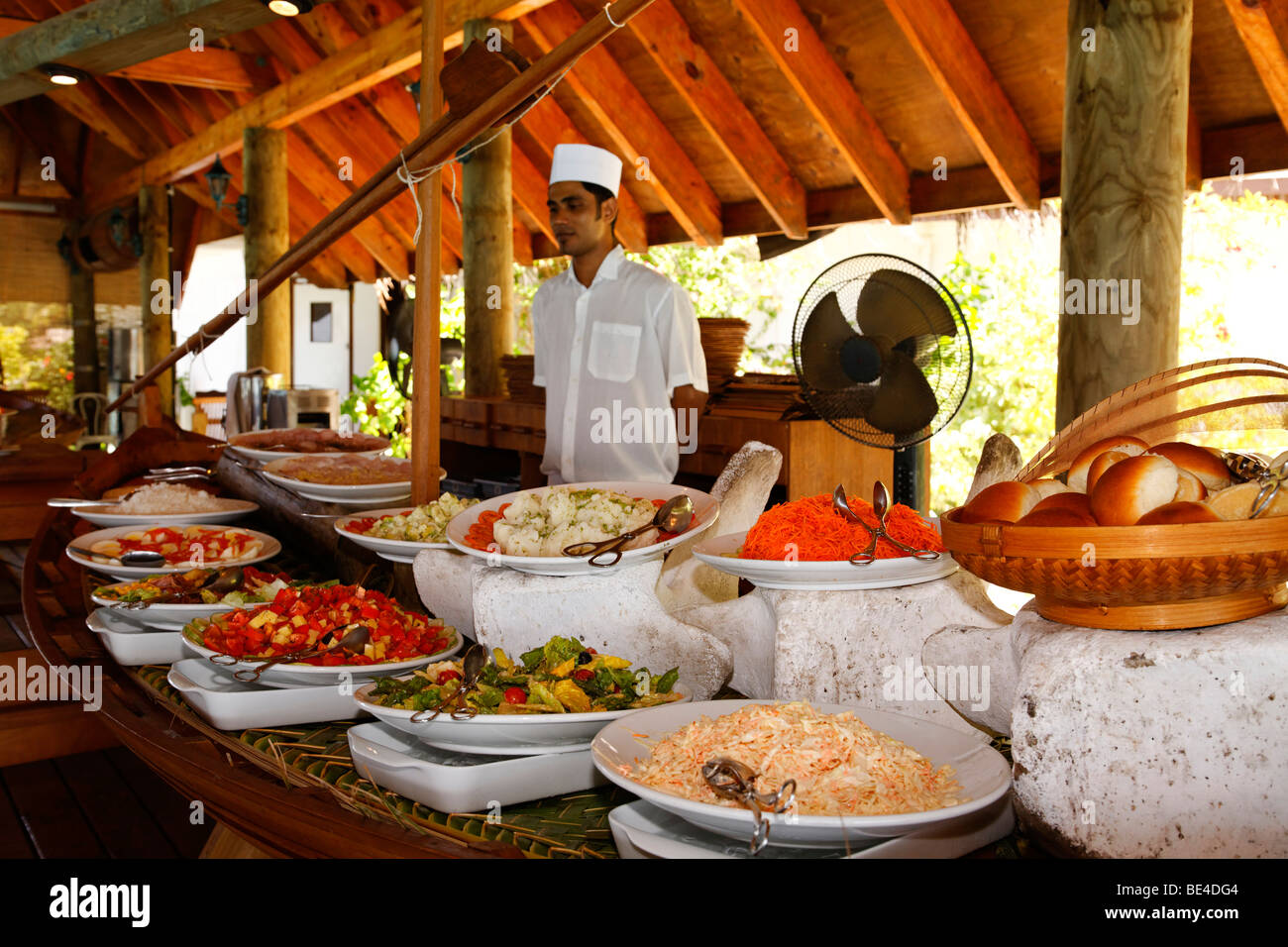 Buffet with cook, Maldive island, South Male Atoll, Maldives, Achipelago, Asia, Indian Ocean - Stock Image
