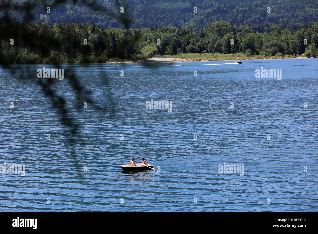 Rowboat on Wolfgangsee lake, St. Wolfgang, Salzkammergut region, Upper Austria, Austria, Europe - Stock Image