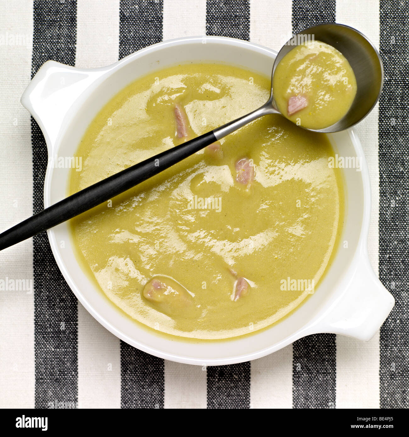 Pea and ham soup - Stock Image