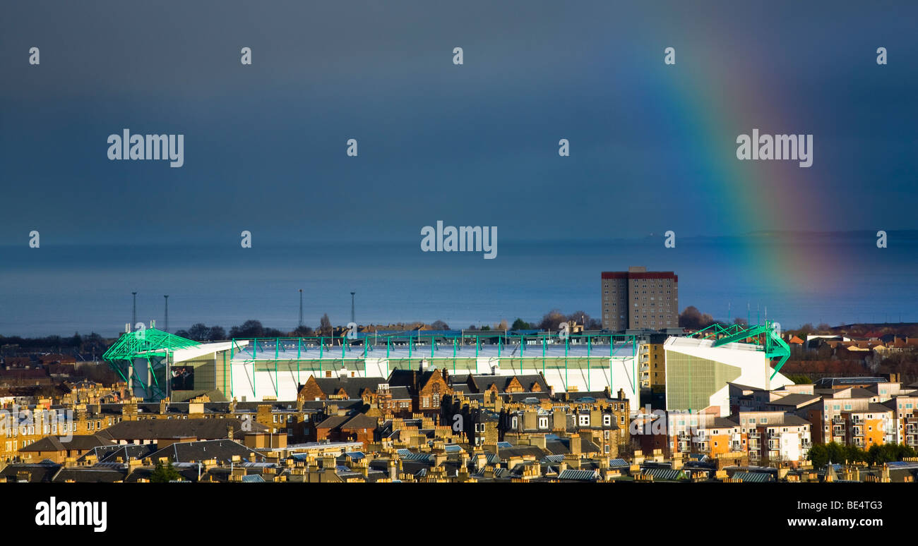 Scotland, Edinburgh, Calton Hill. Looking across Edinburgh City New Town to The Firth of Forth. - Stock Image