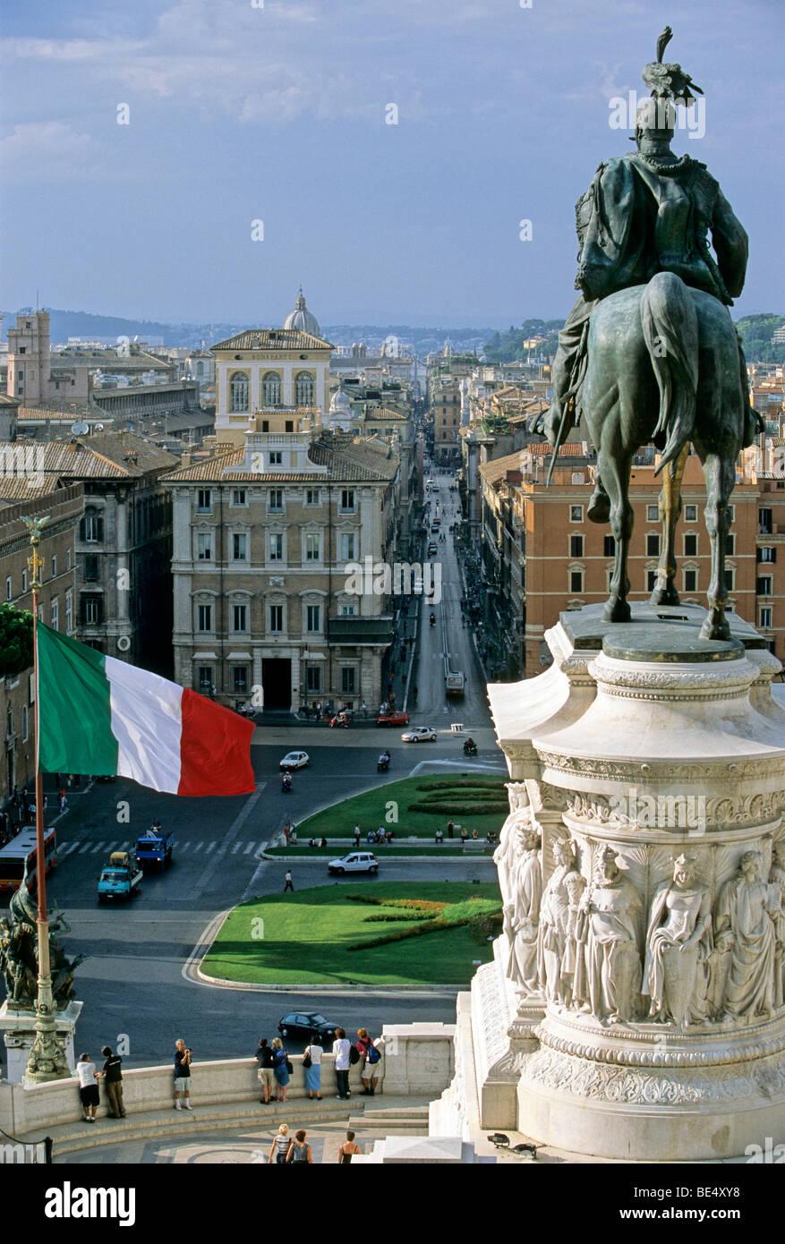 Equestrian Statue, National Monument Vittorio Emanuele II, Piazza Venezia, Via del Corso, Rome, Lazio, Italy, Europe - Stock Image