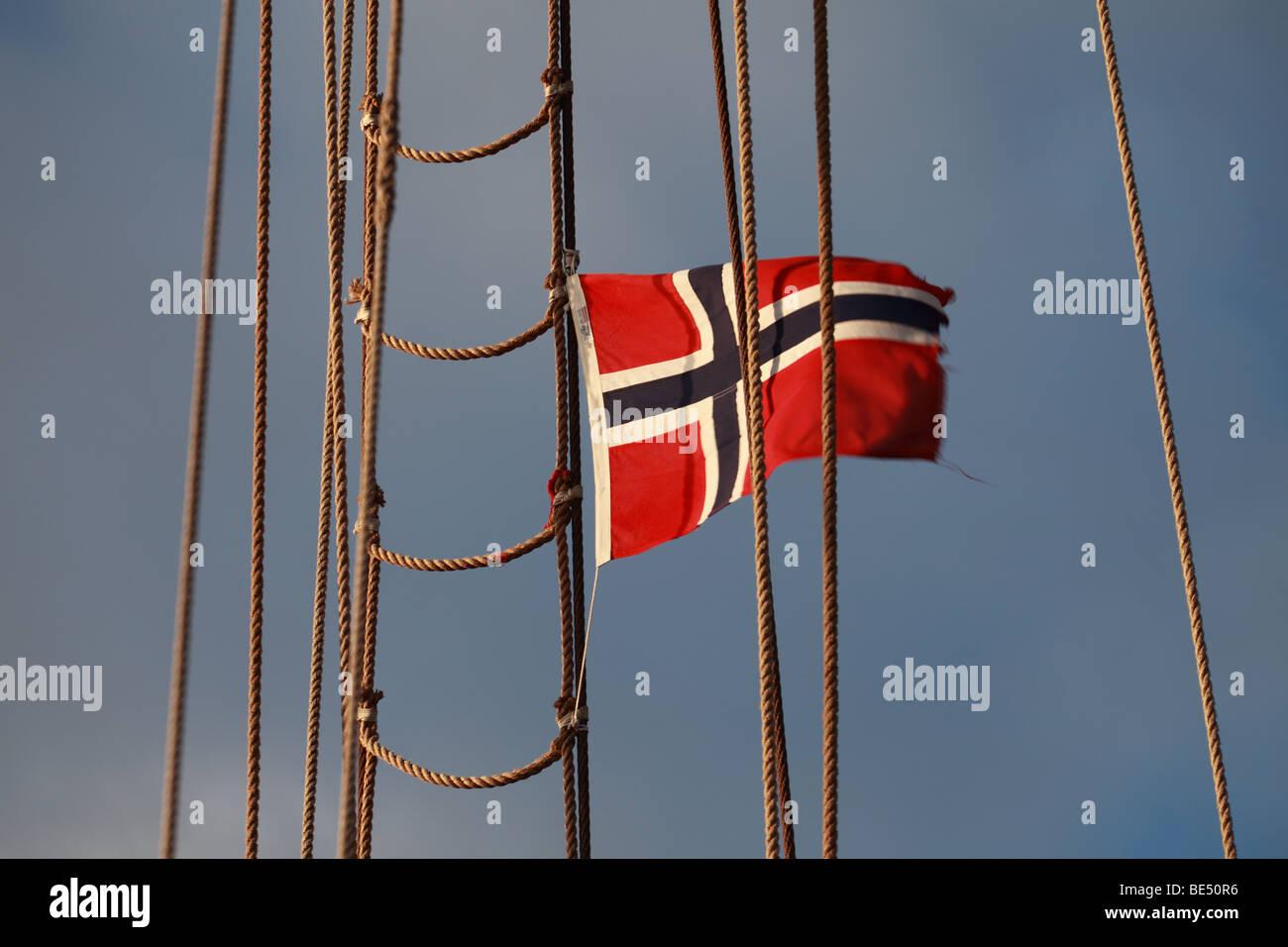 Norwegian flag on ship rigging - Stock Image