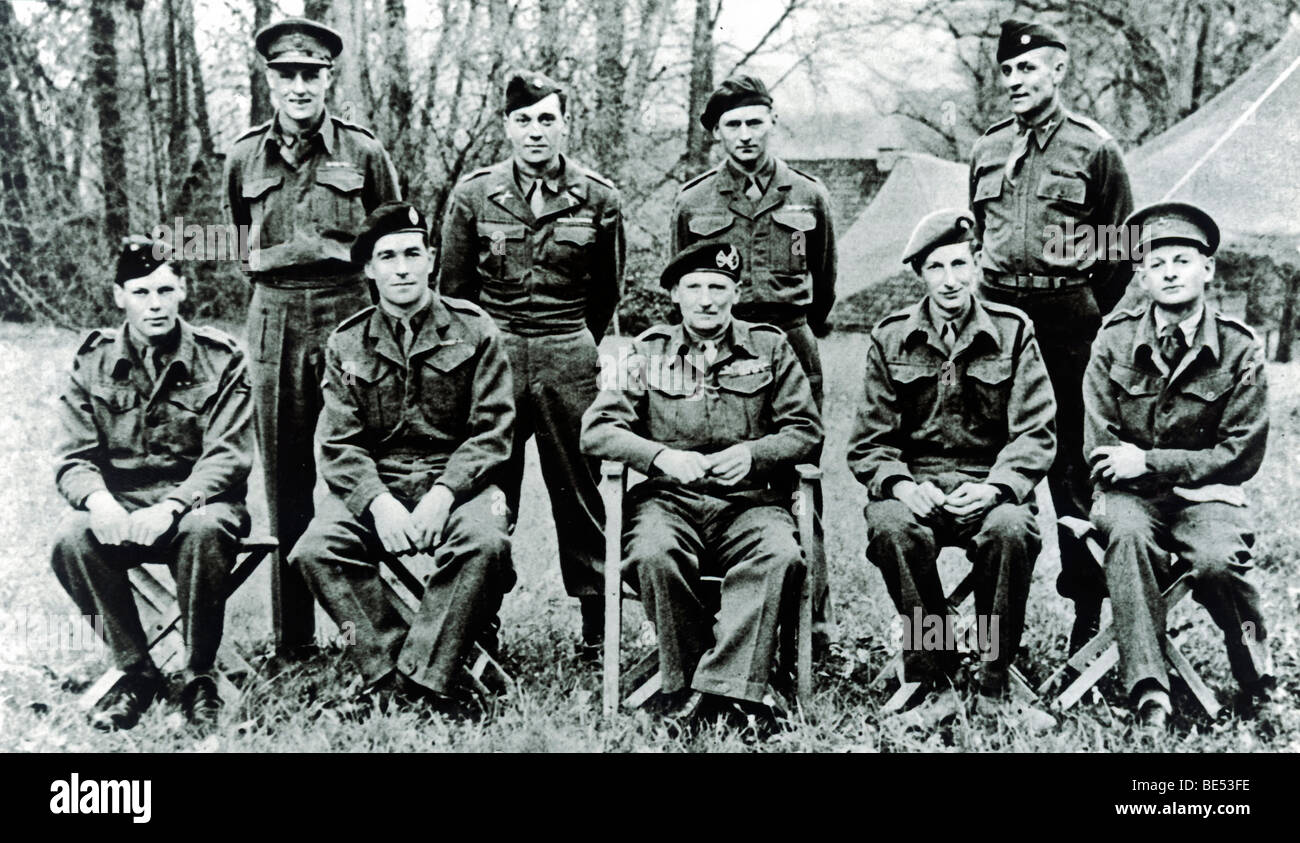 Field marshal Montgomery and his staff: in the back back Major Sharp, Major Brisk, Major Poston, Mayor Frary, in - Stock Image