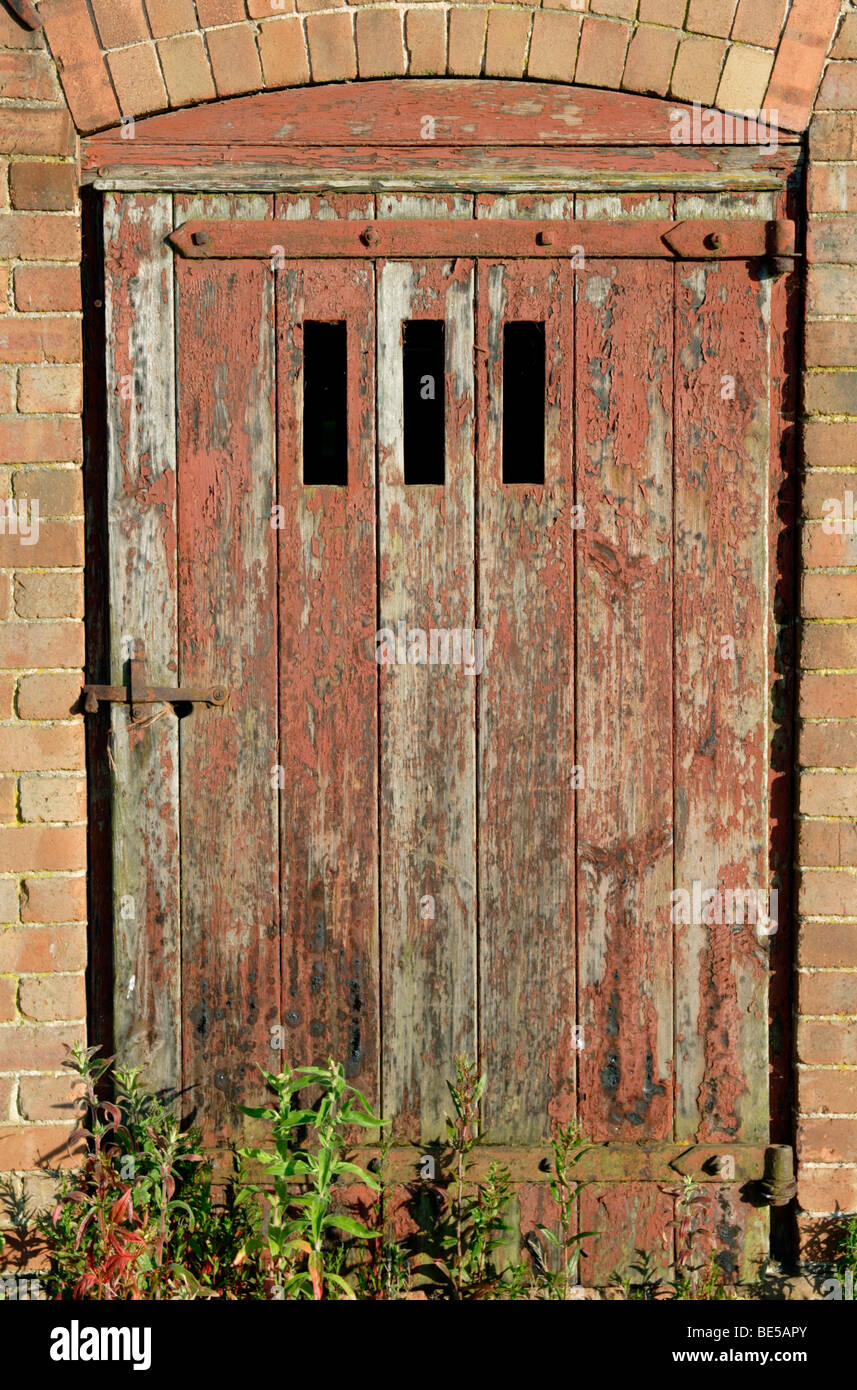Old Barn Door And Farm Building Close Up England Uk Stock Photo