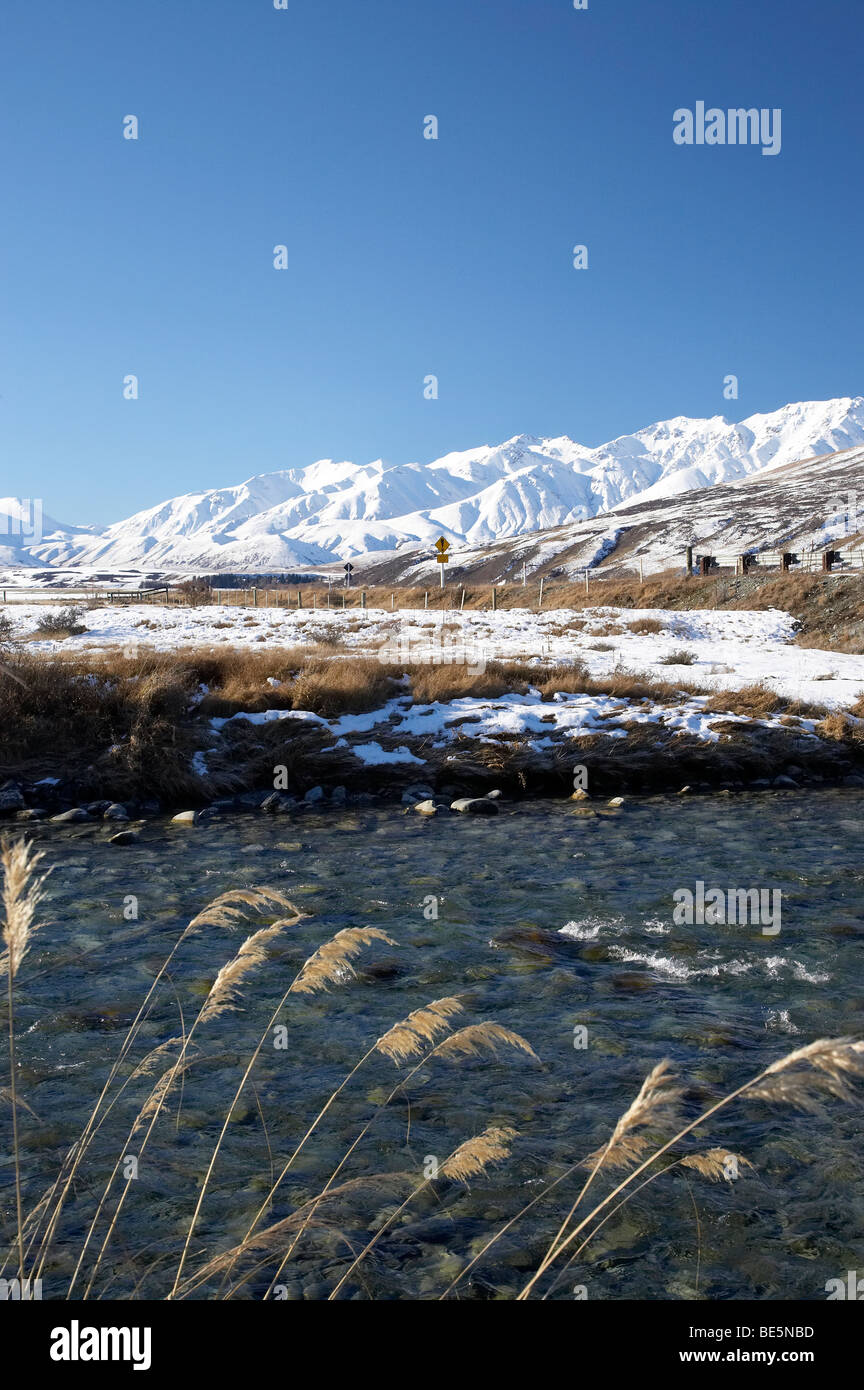 Ashburton River South Branch, and Taylor Range, Mid Canterbury, South Island, New Zealand - Stock Image