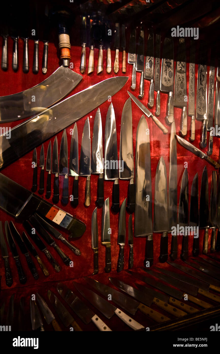 A collection of knives of the cutlery Museum, in Thiers (Puy de Dôme - France). La collection de couteaux du - Stock Image