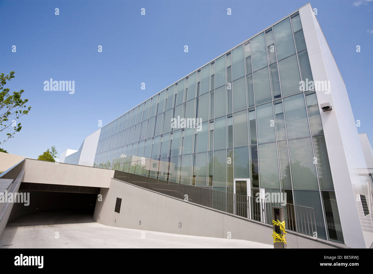 Garage entrance to the Delegation of the Ismaili Imamat: . Headquarters of Aga Khan Development  Network in Canada - Stock Image