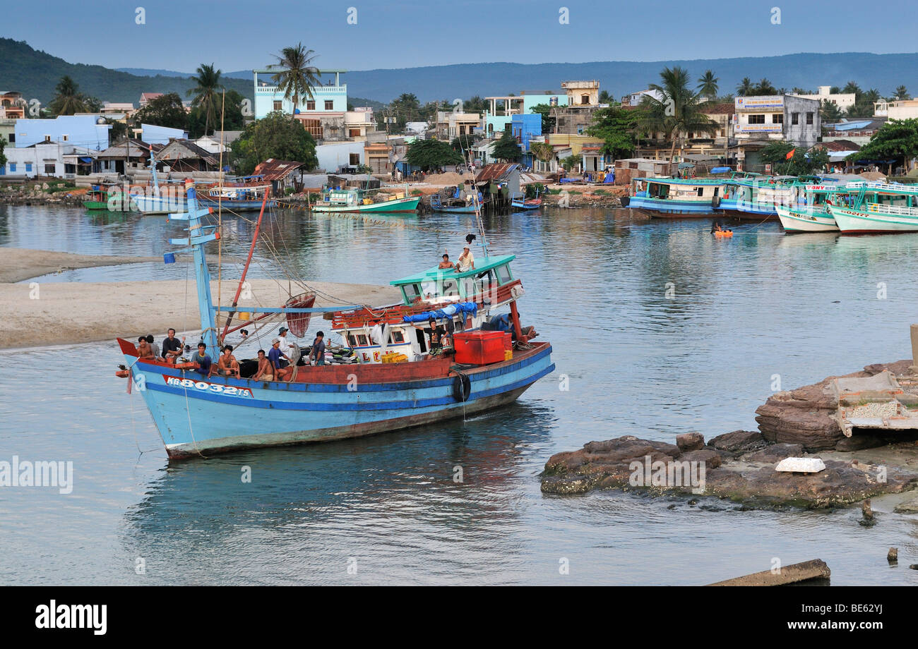 Fishing boats in the harbor of the fishing village of Phu Quoc, Vietnam, Asia - Stock Image
