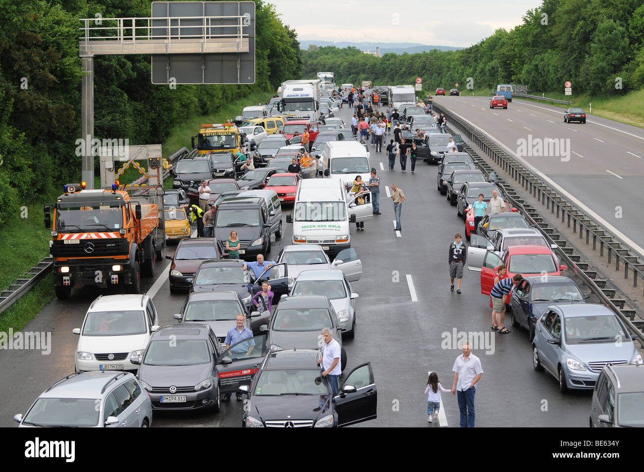 Traffic jam after flooding on the A 81 highway at km 563, between Pleidelsheim and Ludwigsburg-Nord in the direction - Stock Image