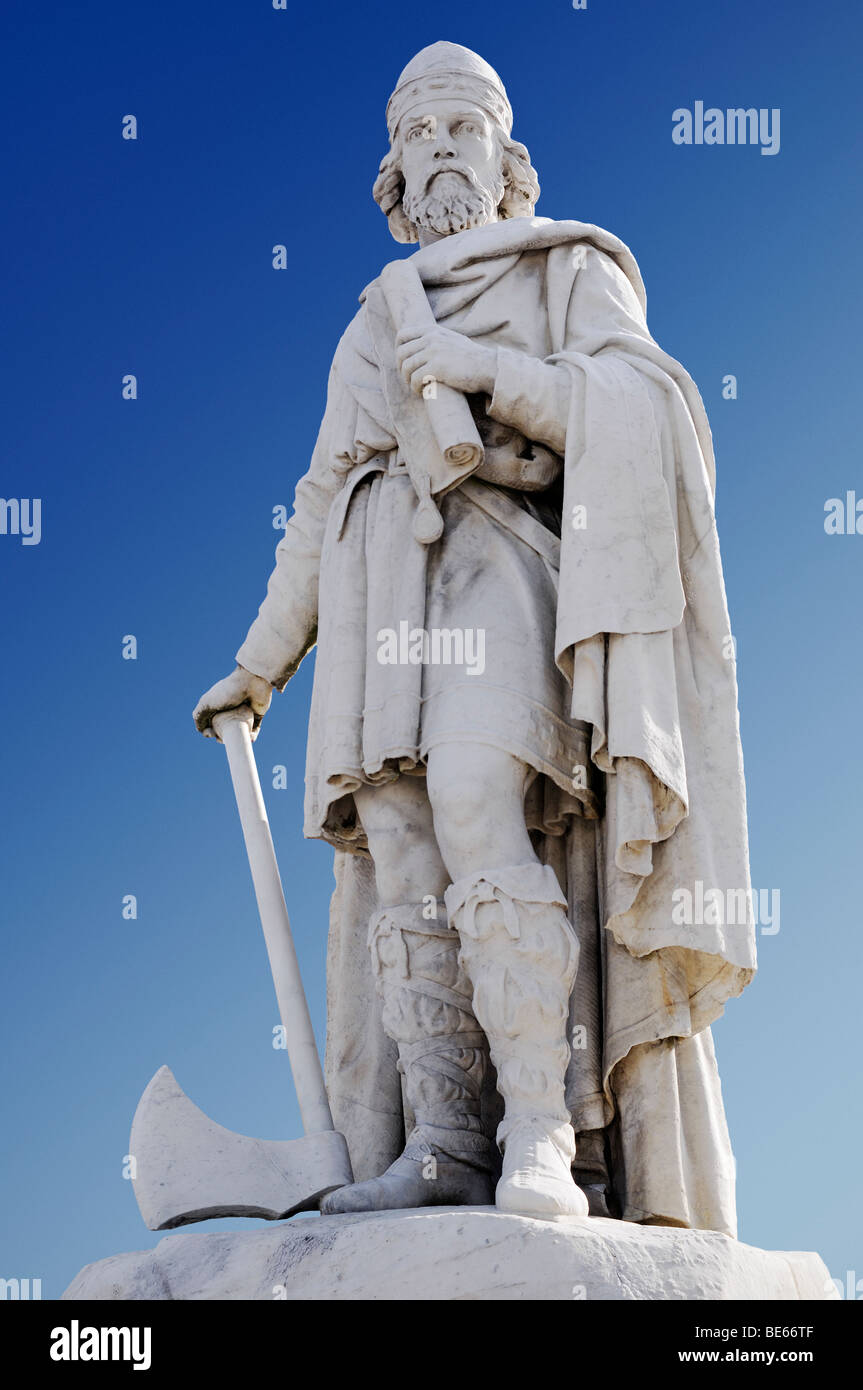Statue of Alfred the Great, Wantage, Oxfordshire, England, United Kingdom. - Stock Image