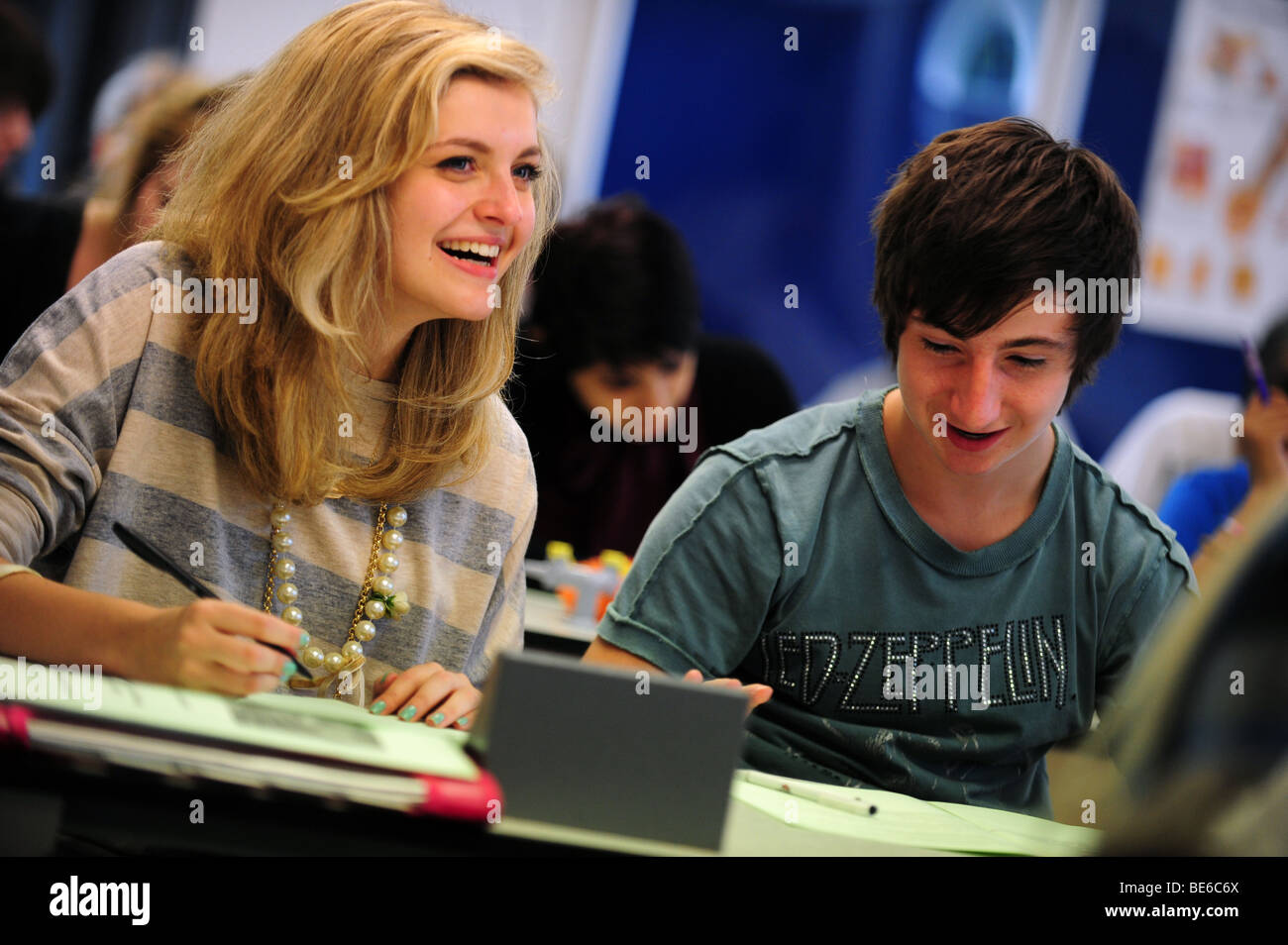 Students in lecture at sixth form further education college - Stock Image