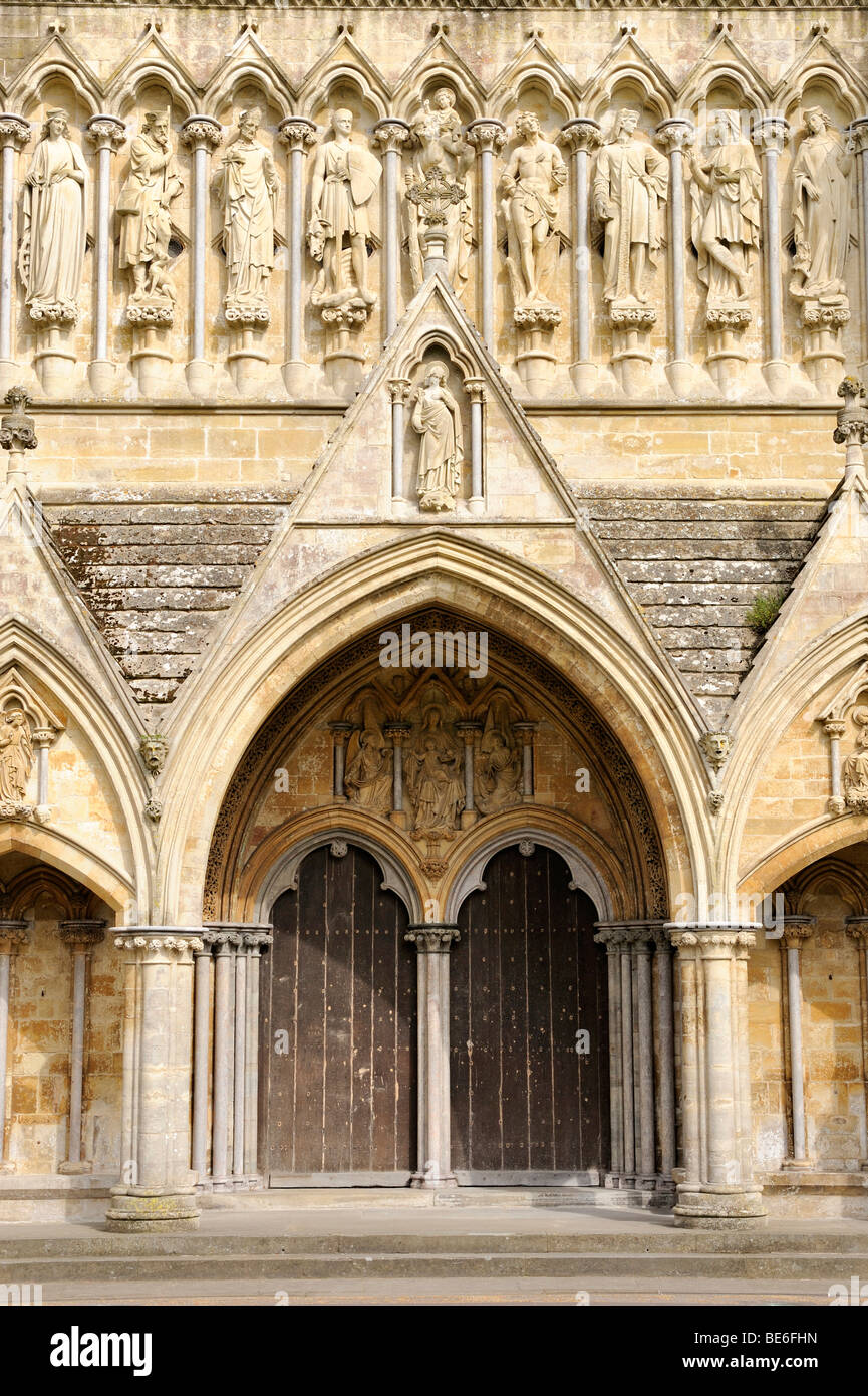 Portal with statues of saints at St. Mary's Cathedral in Salisbury, Wiltshire, England, United Kingdom, Europe - Stock Image
