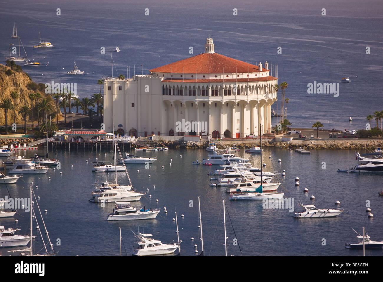 591d8aec1b98 Avalon And Casino Santa Catalina Island California Stock Photos ...