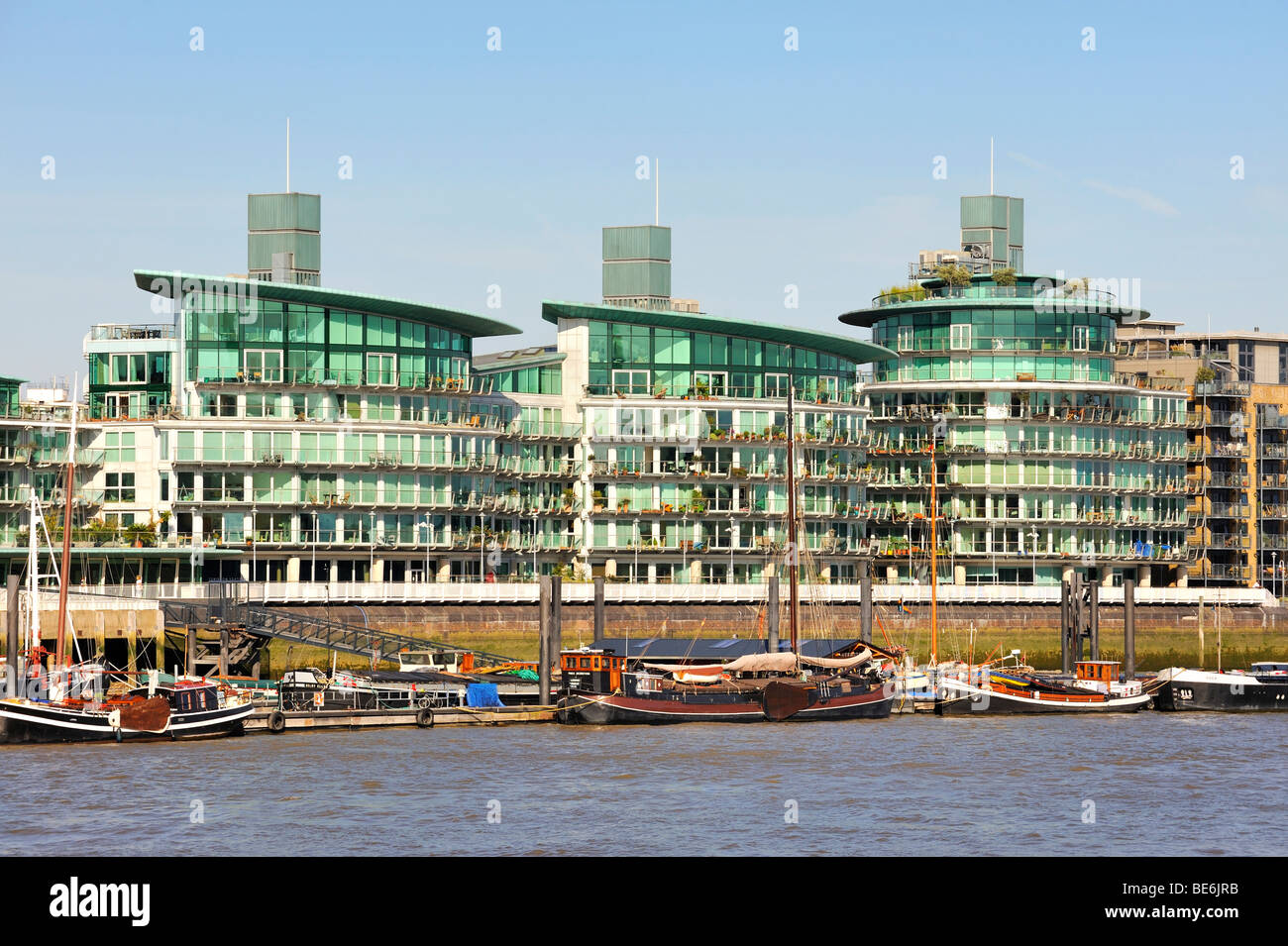 The banks of the Thames, with modern residential buildings, London, England, United Kingdom, Europe - Stock Image