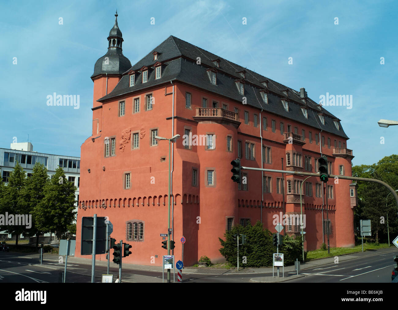 Isenburg Castle, renaissance facade with arcades, part of the campus of the University of Art and Design Offenbach - Stock Image