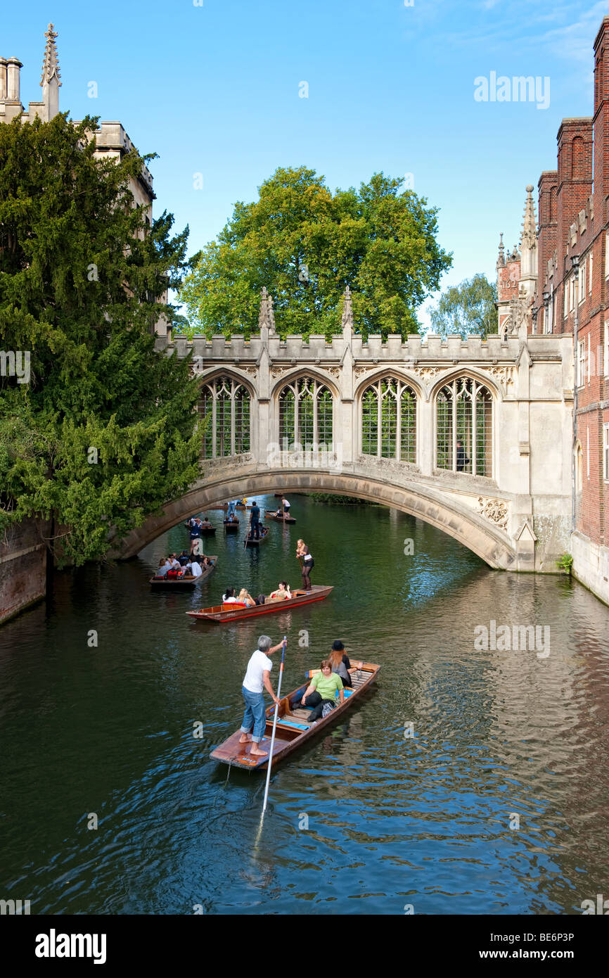 The Bridge of Sighs over the River Cam in Cambridge - Stock Image