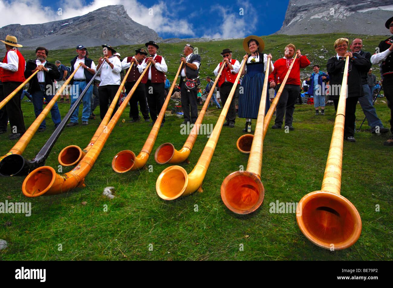 Alphorn blowers at the shepherd festival on Gemmi, Leukerbad, Loeche-les-Bains, Valais, Switzerland Stock Photo