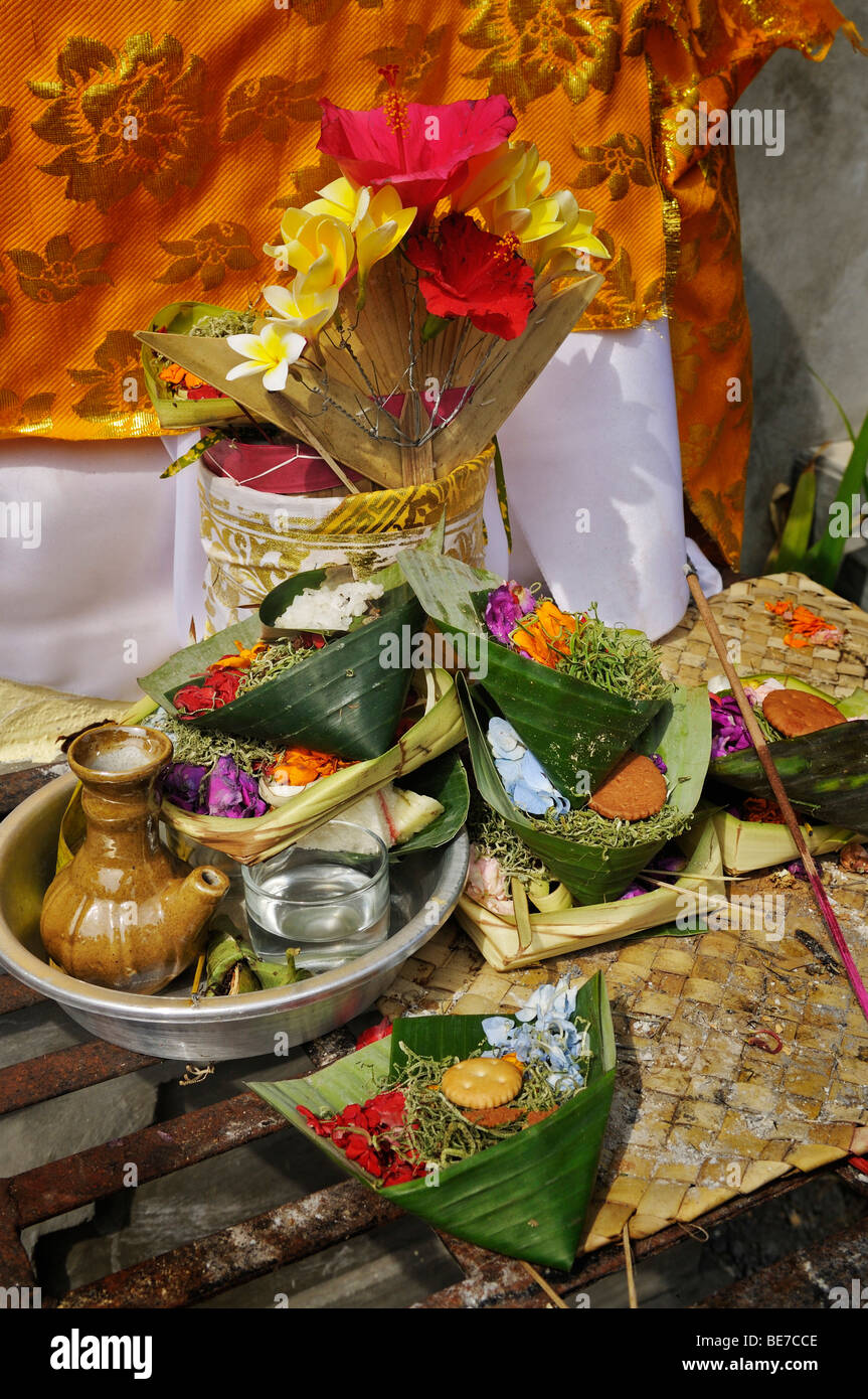 Sacrificial offerings to the gods, Denpasar, Bali, Indonesia, Southeast Asia - Stock Image