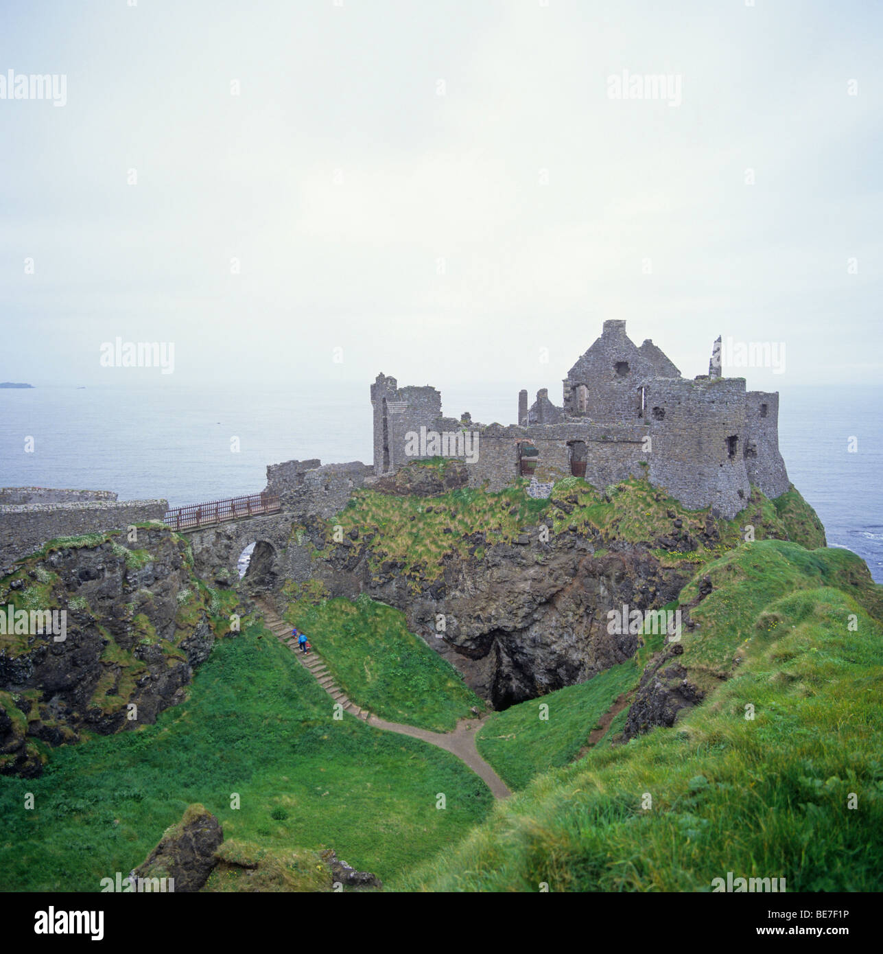 ruinsite of dunluce castle - area of giant's causeway coast - county of antrim - northern ireland - great britain - Stock Image