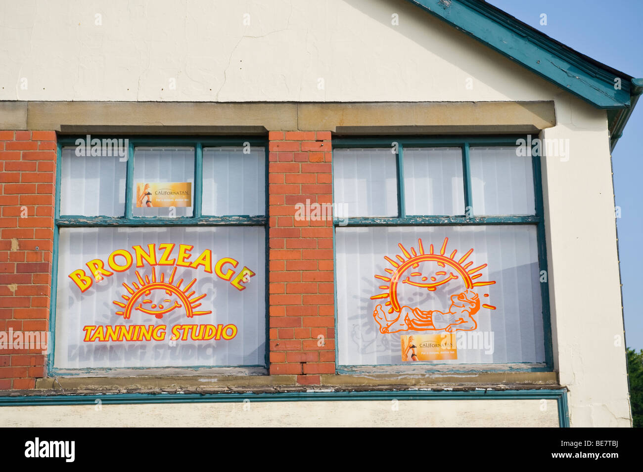 Exterior BRONZEAGE TANNING STUDIO in Abergavenny Monmouthshire South Wales UK - Stock Image