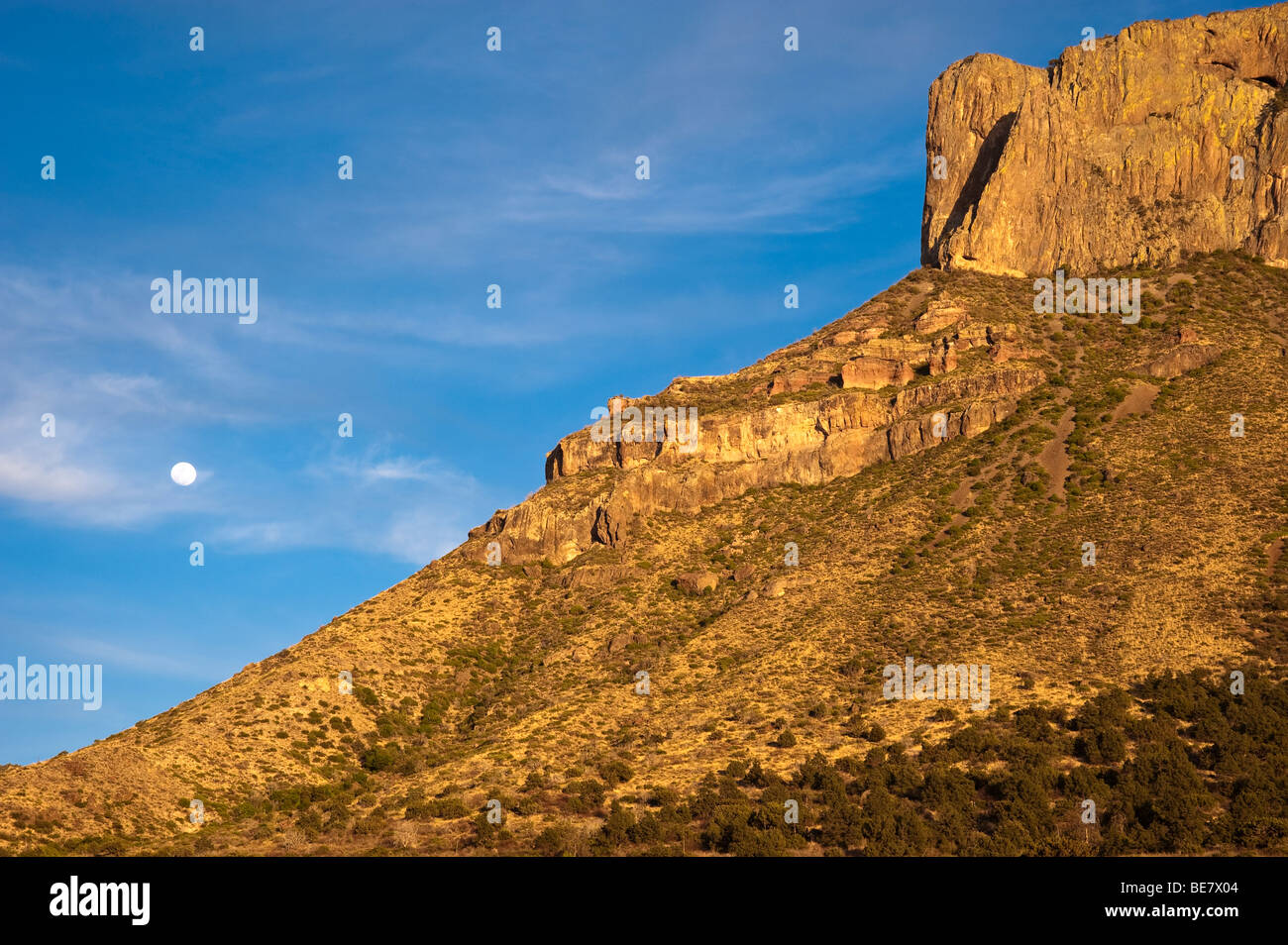 Moon rise over Casa Grande, Big Bend National Park Stock Photo