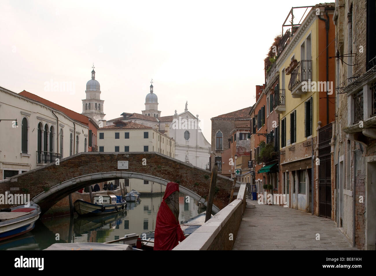 Rio de L' anzolo, in the background Chiesa di S. Raffaele, Venice, Italy, Europe - Stock Image