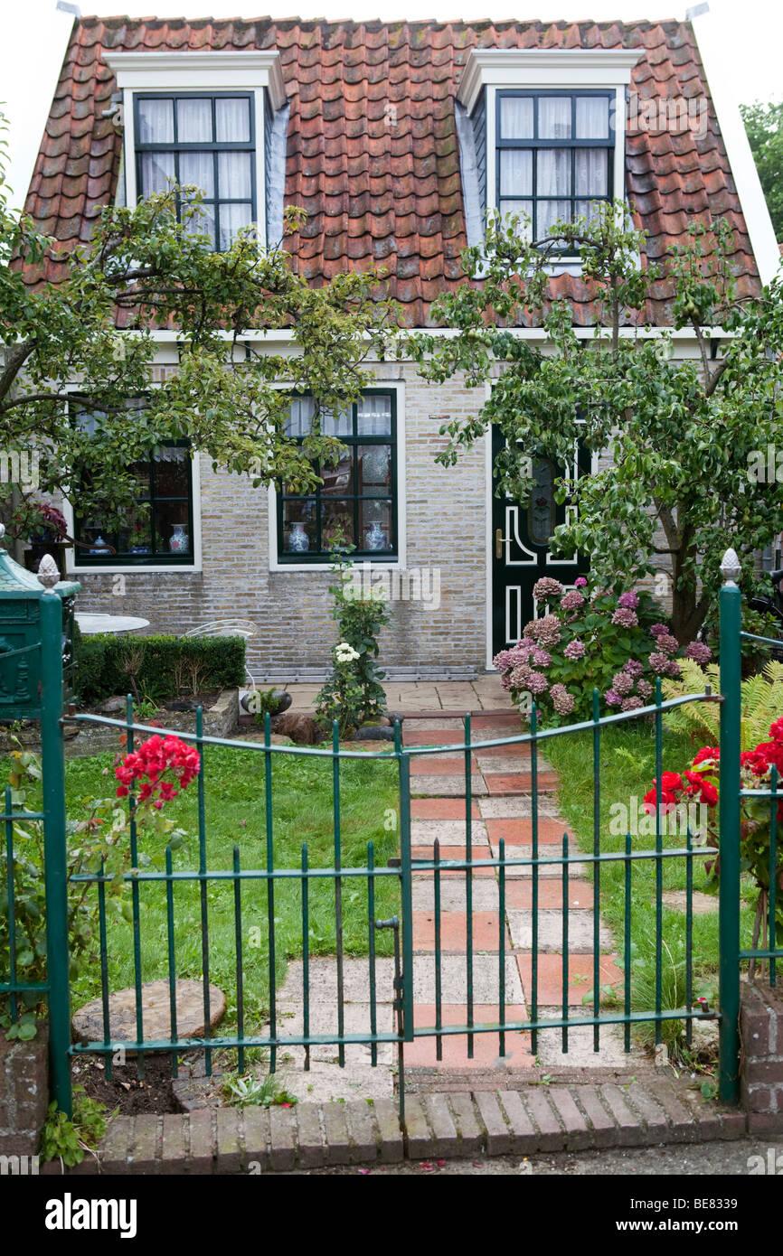 Small Dutch House With Pretty Garden Edam Holland Stock Photo
