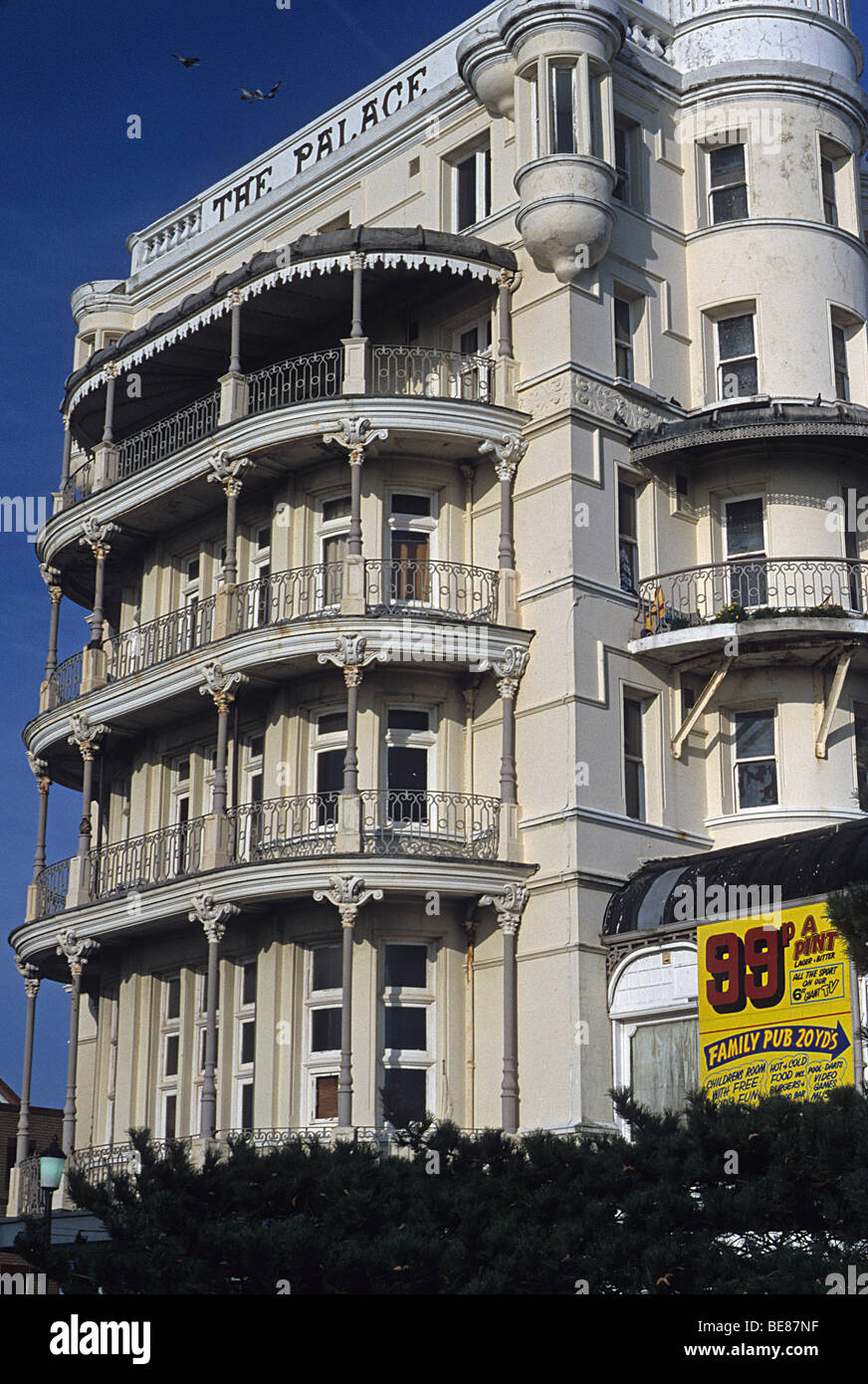 Southend on Sea, Essex, balconies of Palace Hotel Stock Photo